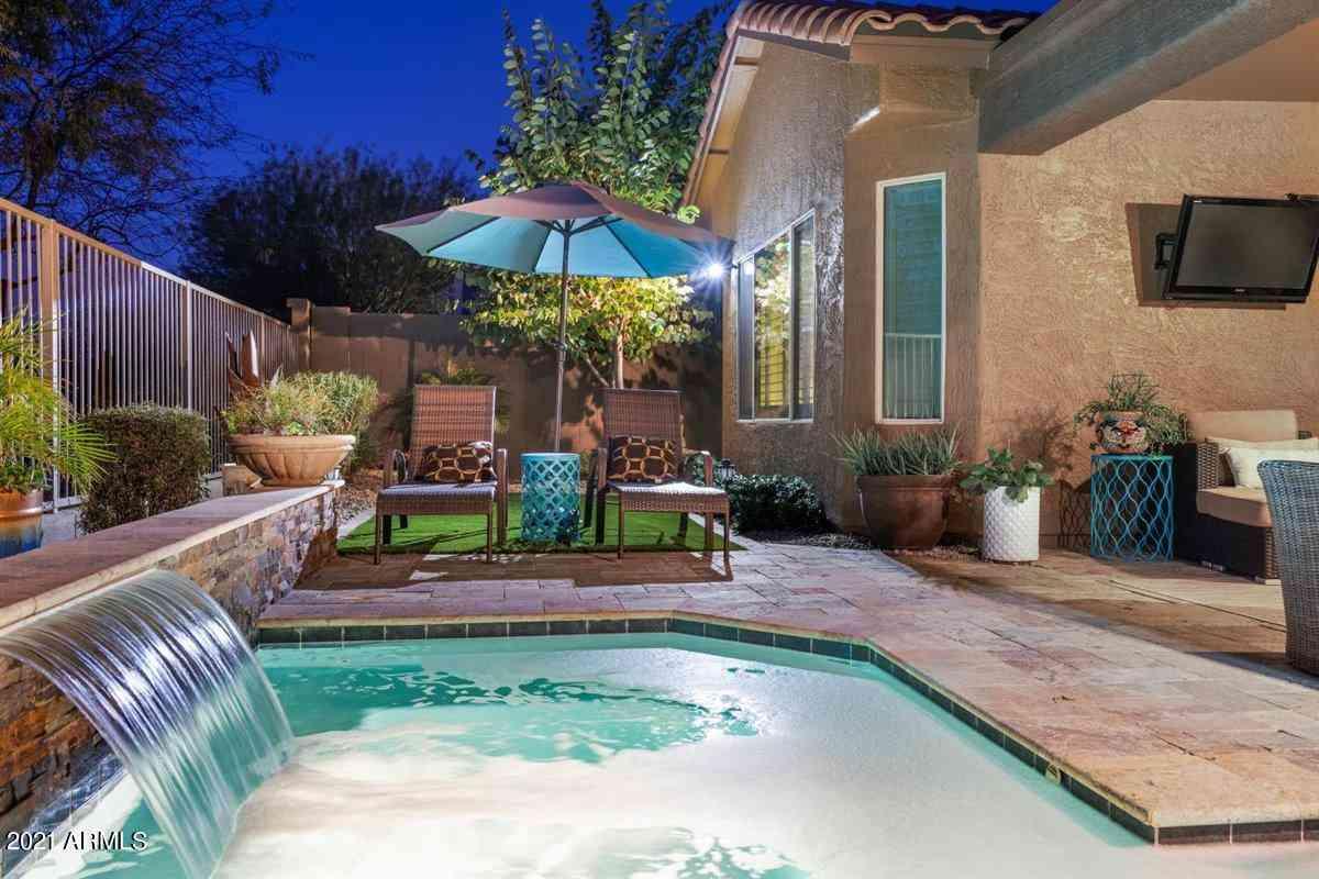 3728 E MATTHEW Drive, Phoenix, AZ, 85050,