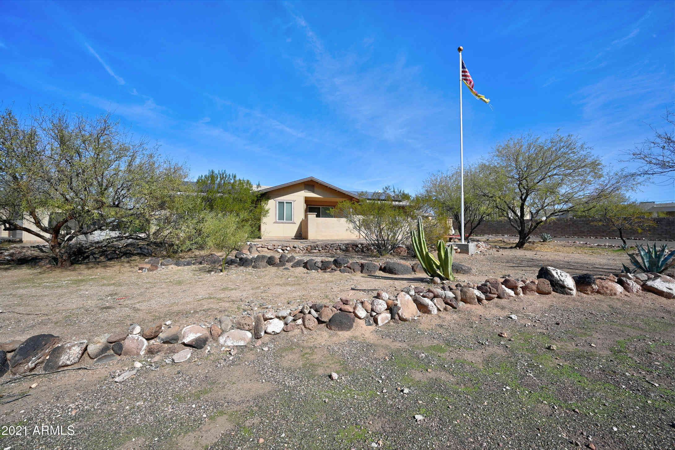 924 E Circle Mountain Road, New River, AZ, 85087,