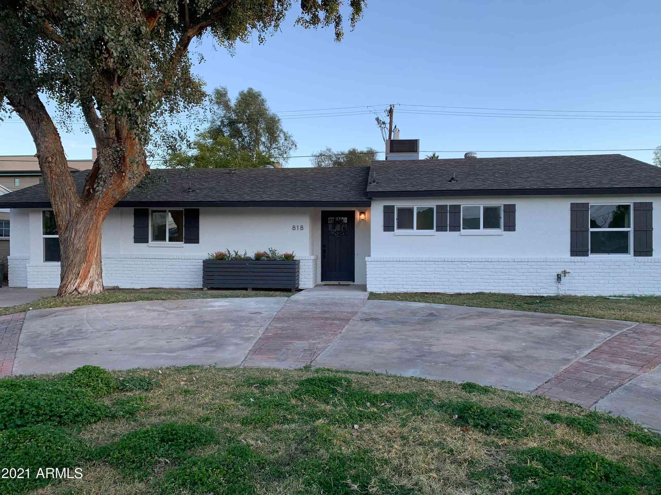 818 E CAVALIER Drive, Phoenix, AZ, 85014,
