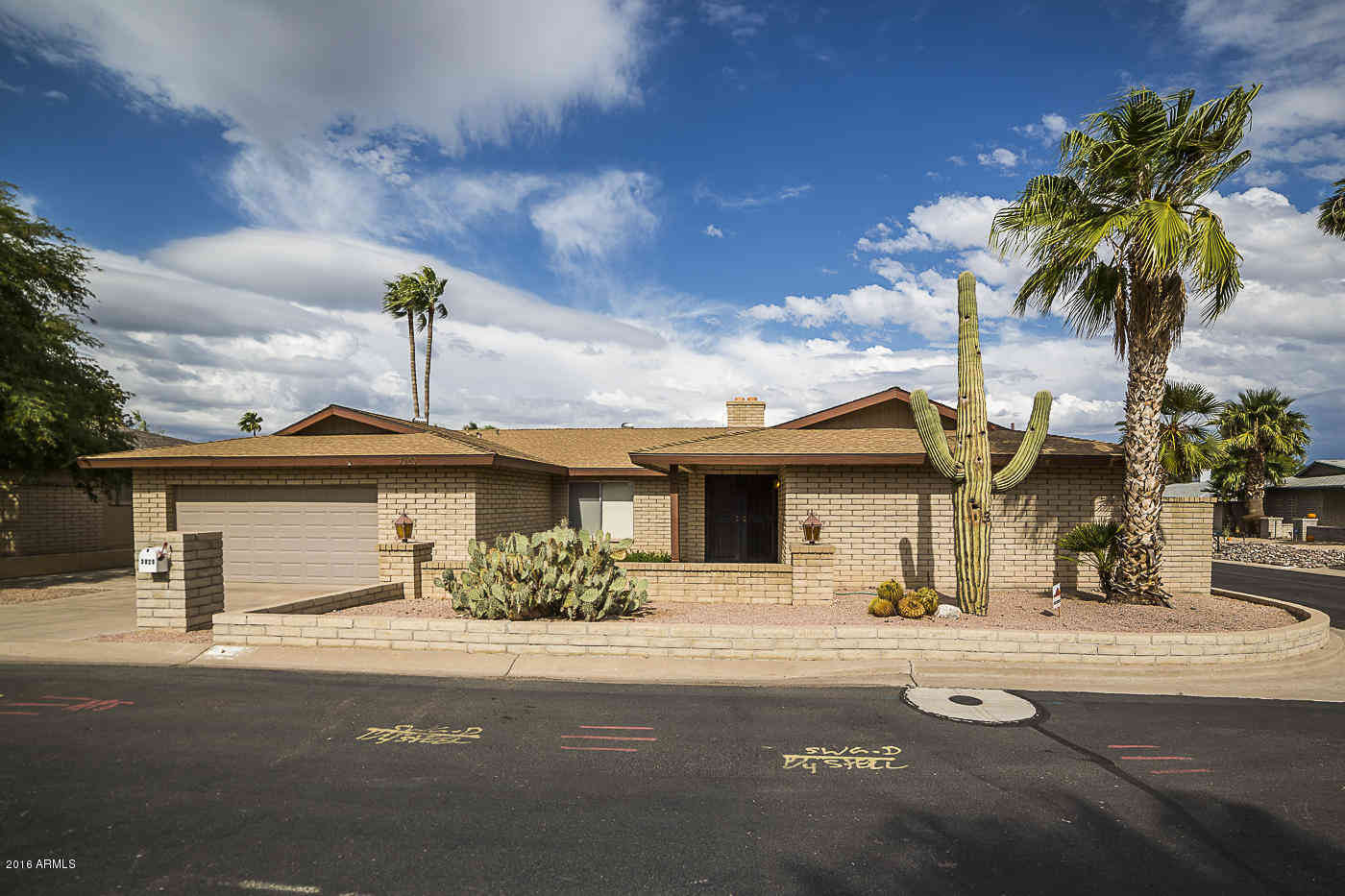 3020 E CALAVEROS Drive, Phoenix, AZ, 85028,