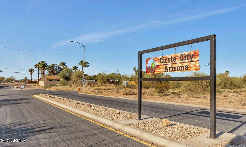 430 E REIZEN Drive, Morristown, AZ, 85342,