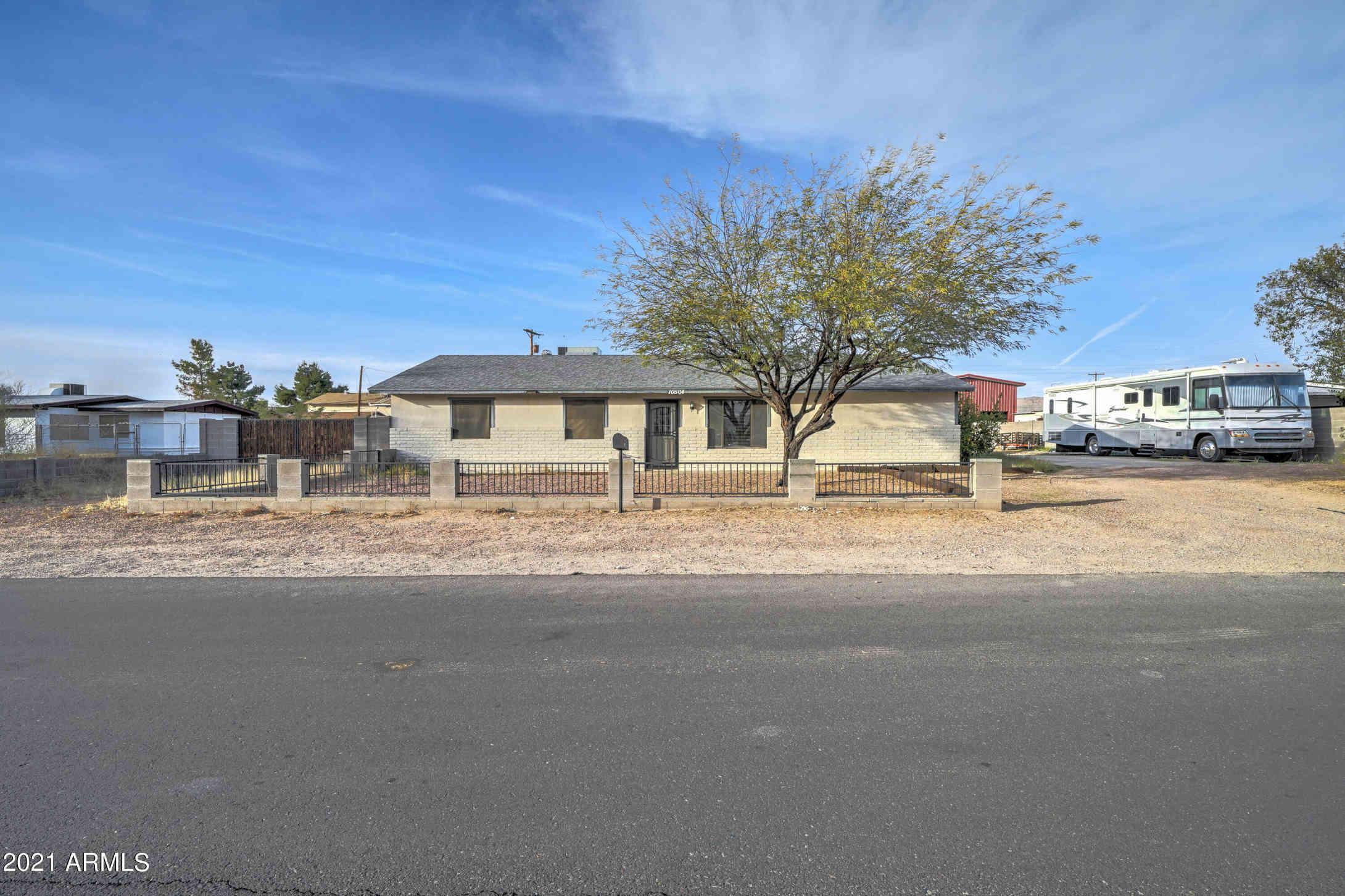 10504 E BOULDER Drive, Apache Junction, AZ, 85120,