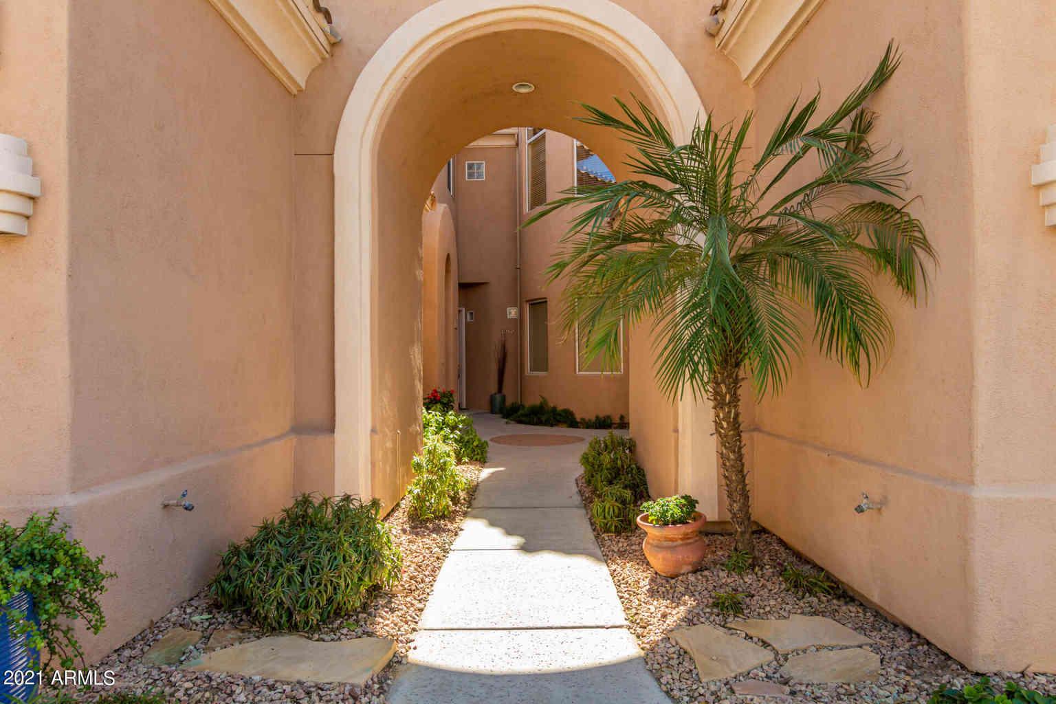 3800 S CANTABRIA Circle #1011, Chandler, AZ, 85248,