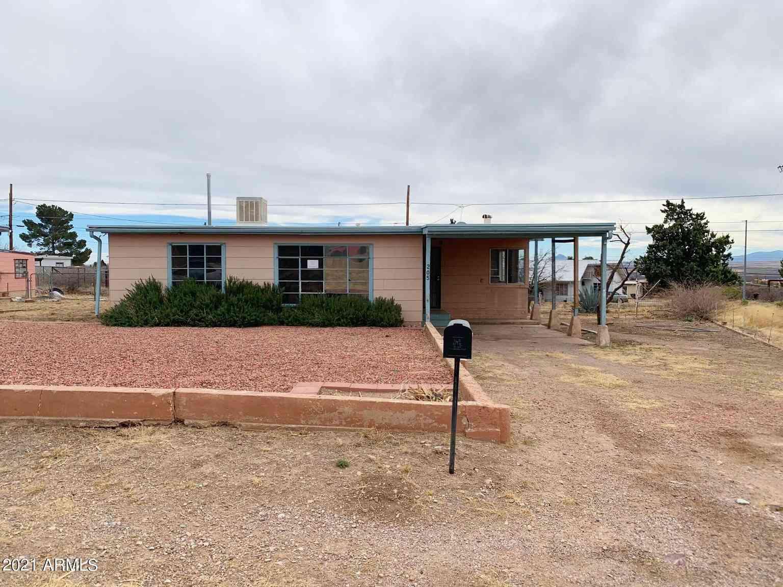 205 FORT HUACHUCA Lane, Bisbee, AZ, 85603,