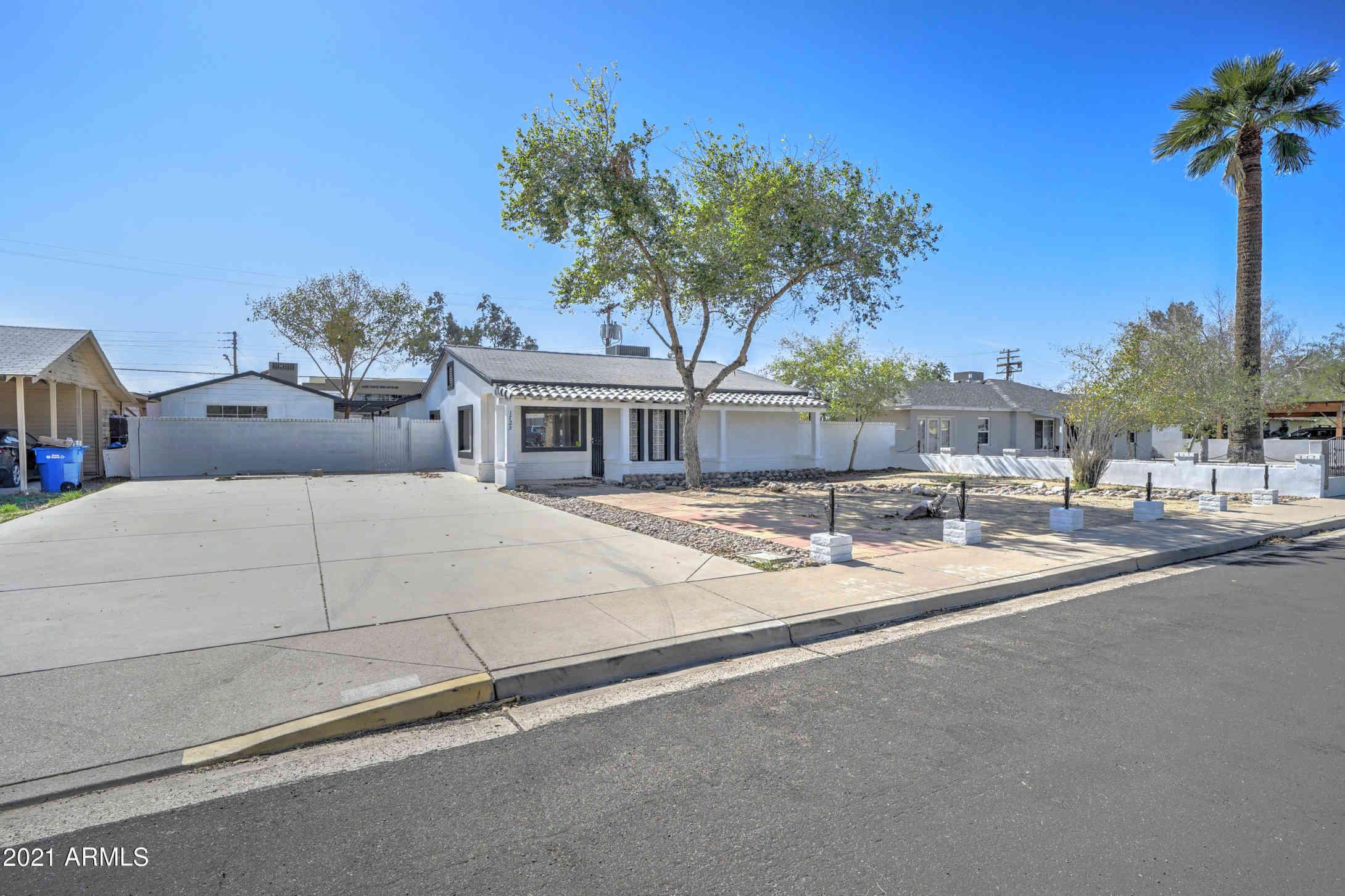 1725 E VERDE Lane, Phoenix, AZ, 85016,