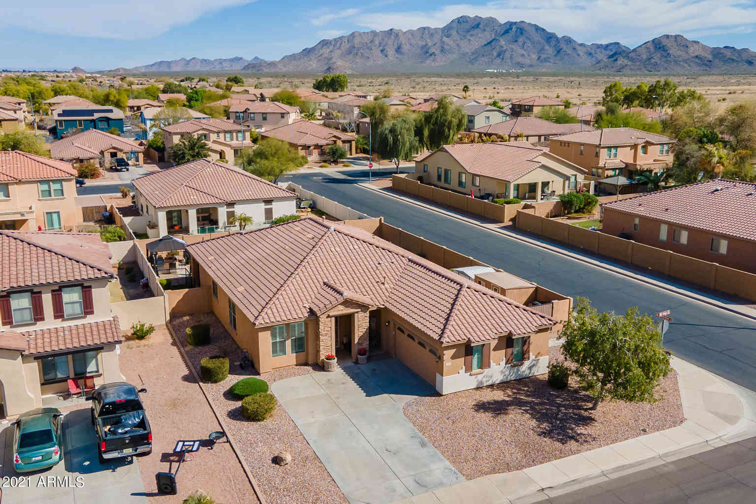 6899 S ONYX Drive, Chandler, AZ, 85249,