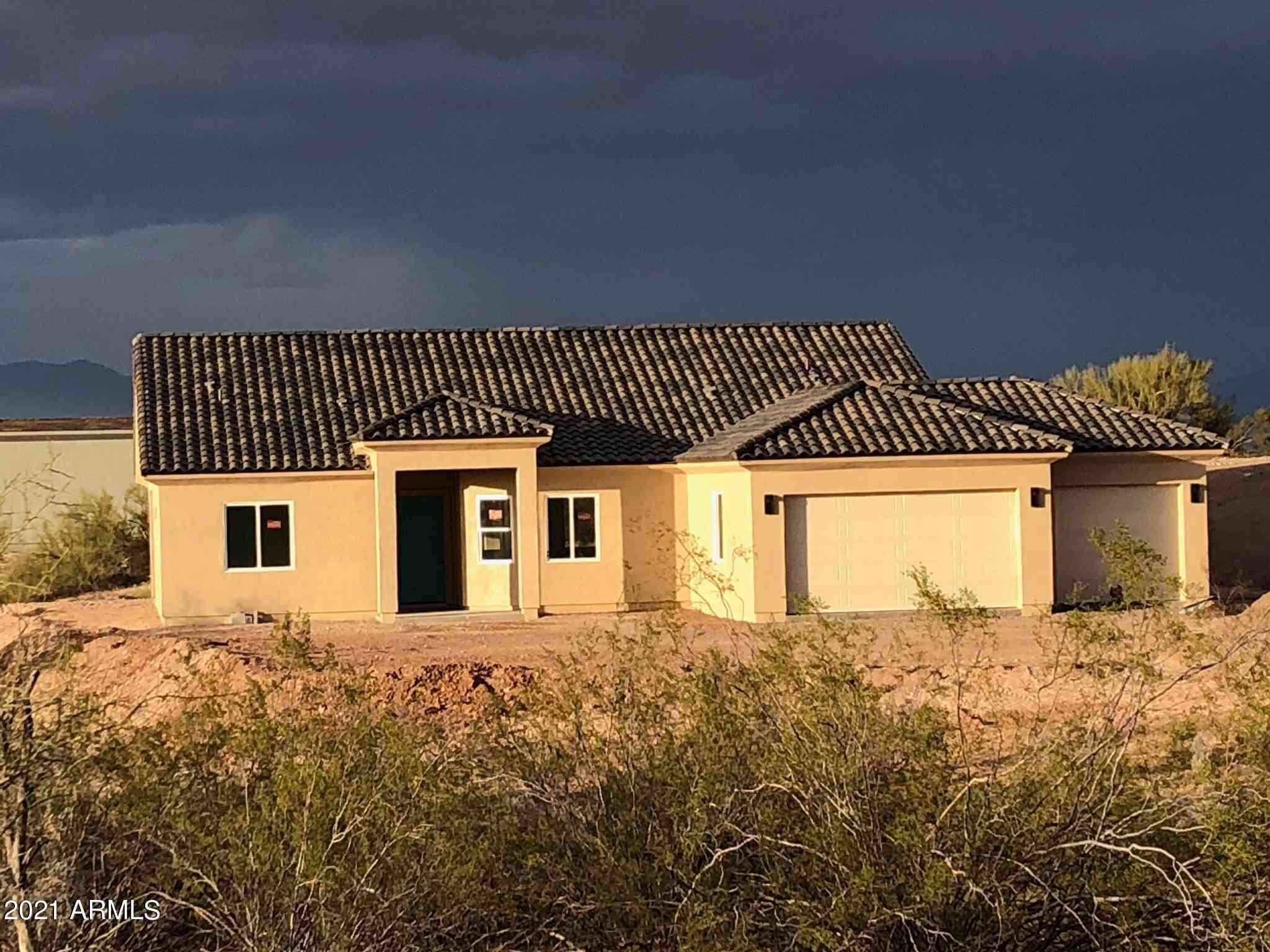 300 JINGLE BOB Road, Wickenburg, AZ, 85390,