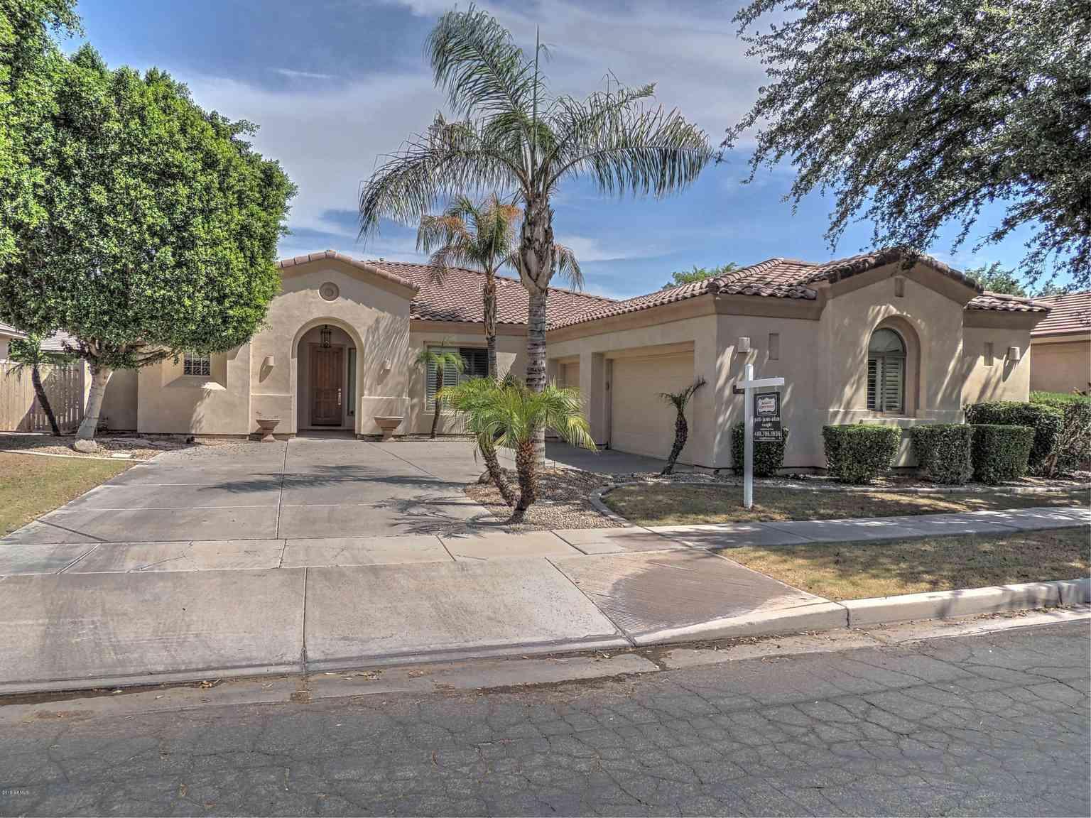 1934 W LYNX Court, Chandler, AZ, 85248,