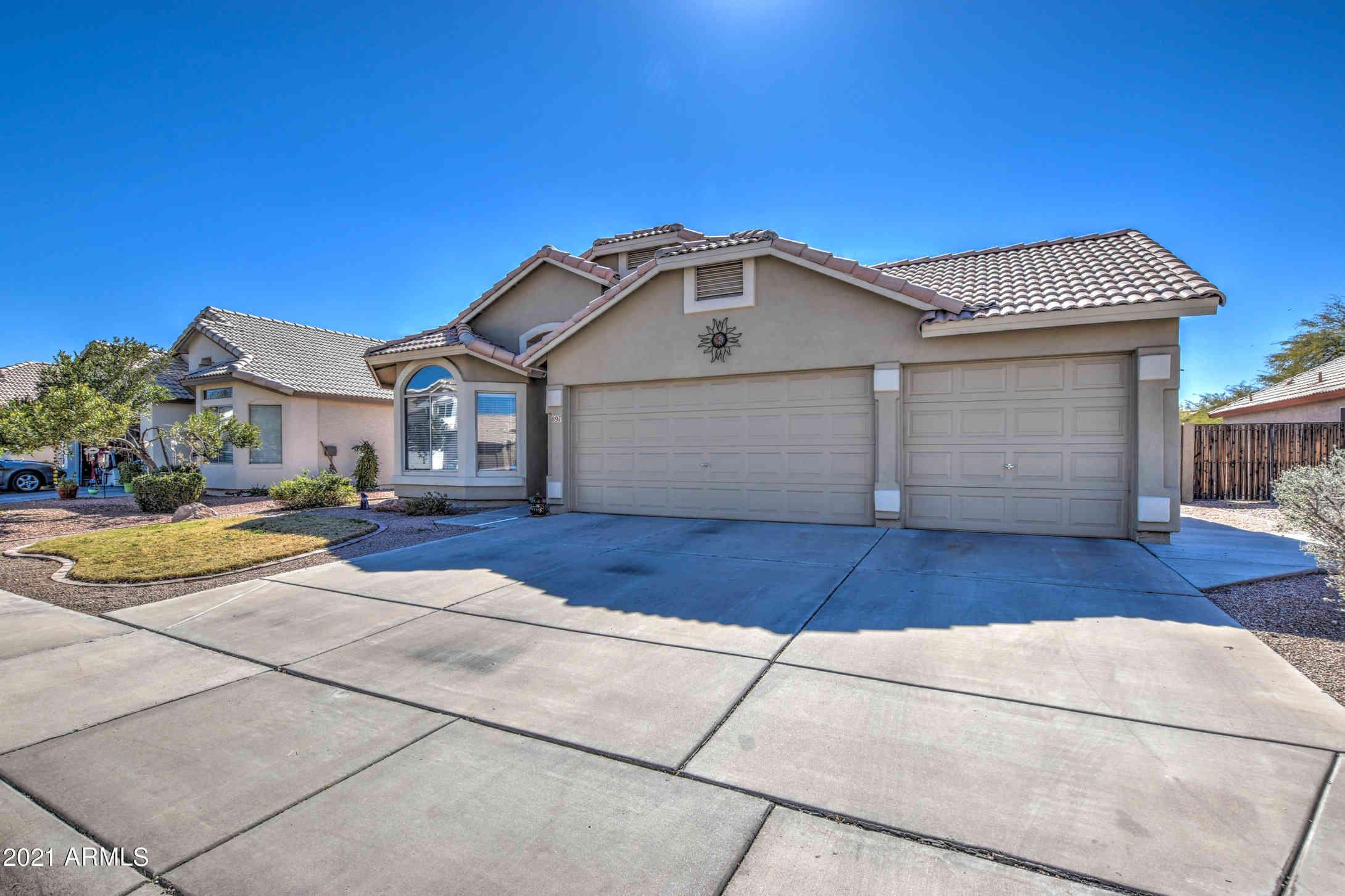 897 E BAYLOR Lane, Chandler, AZ, 85225,