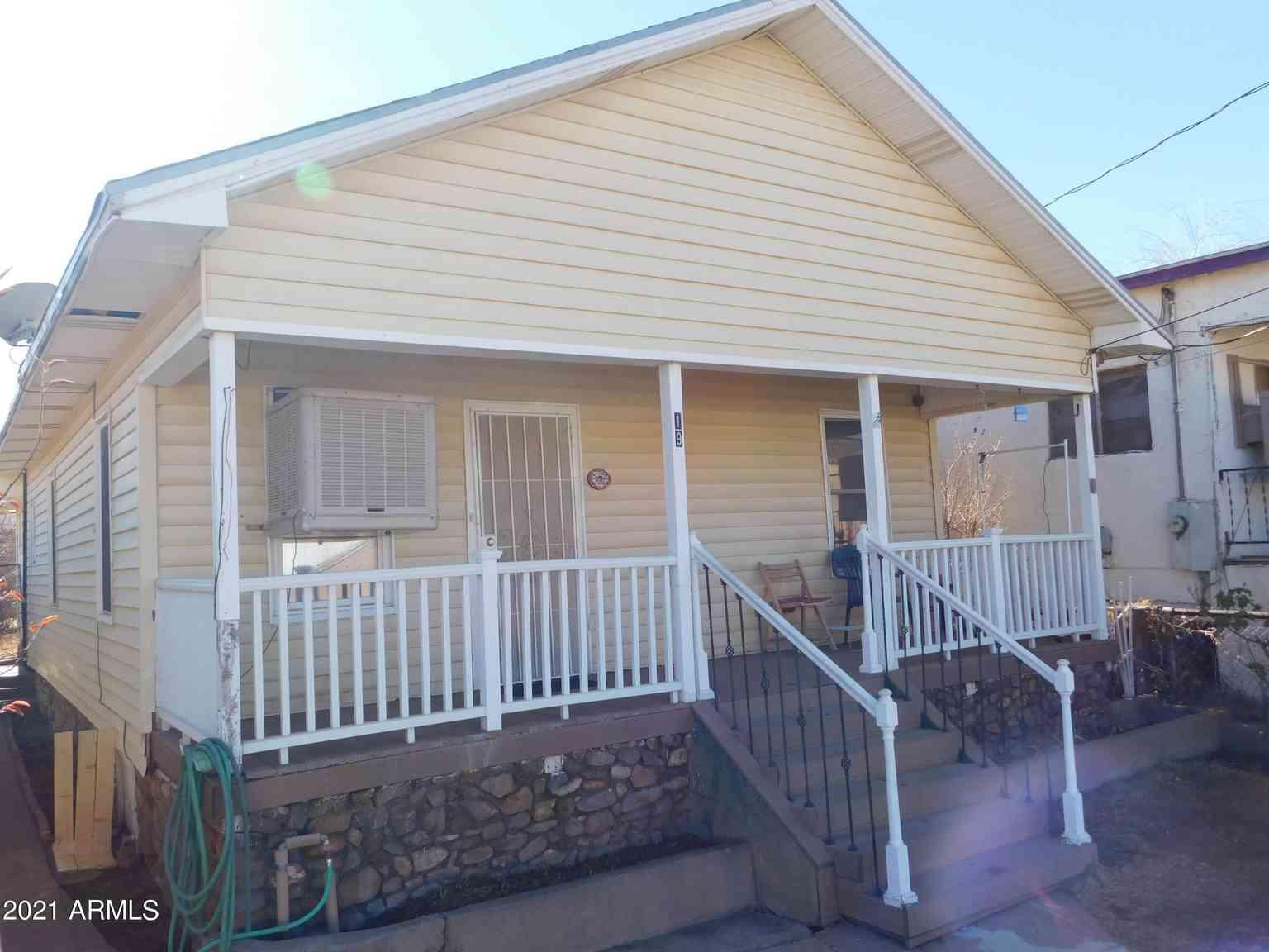 19 COCHISE Row, Bisbee, AZ, 85603,