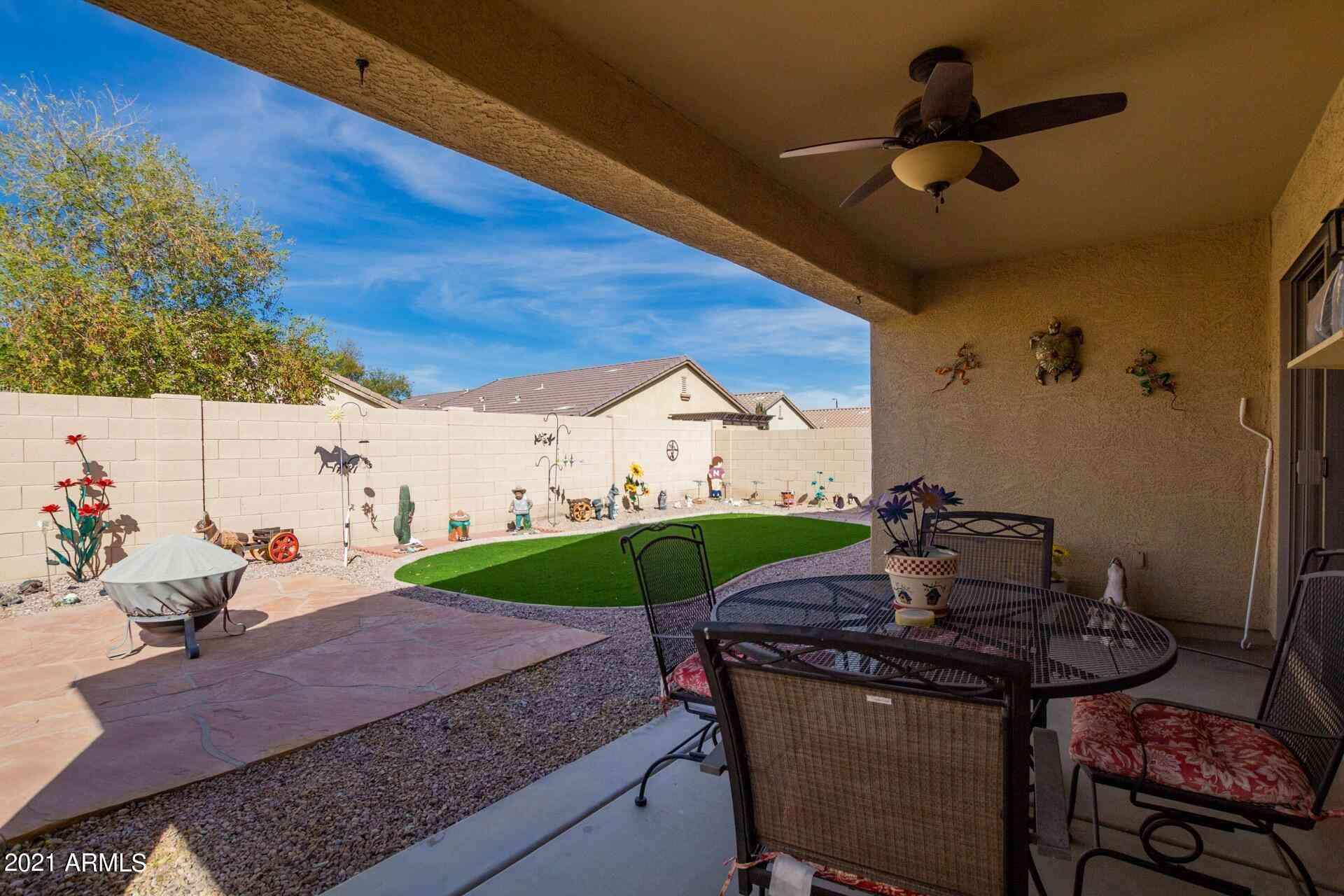 984 W DESERT HILLS Drive, San Tan Valley, AZ, 85143,