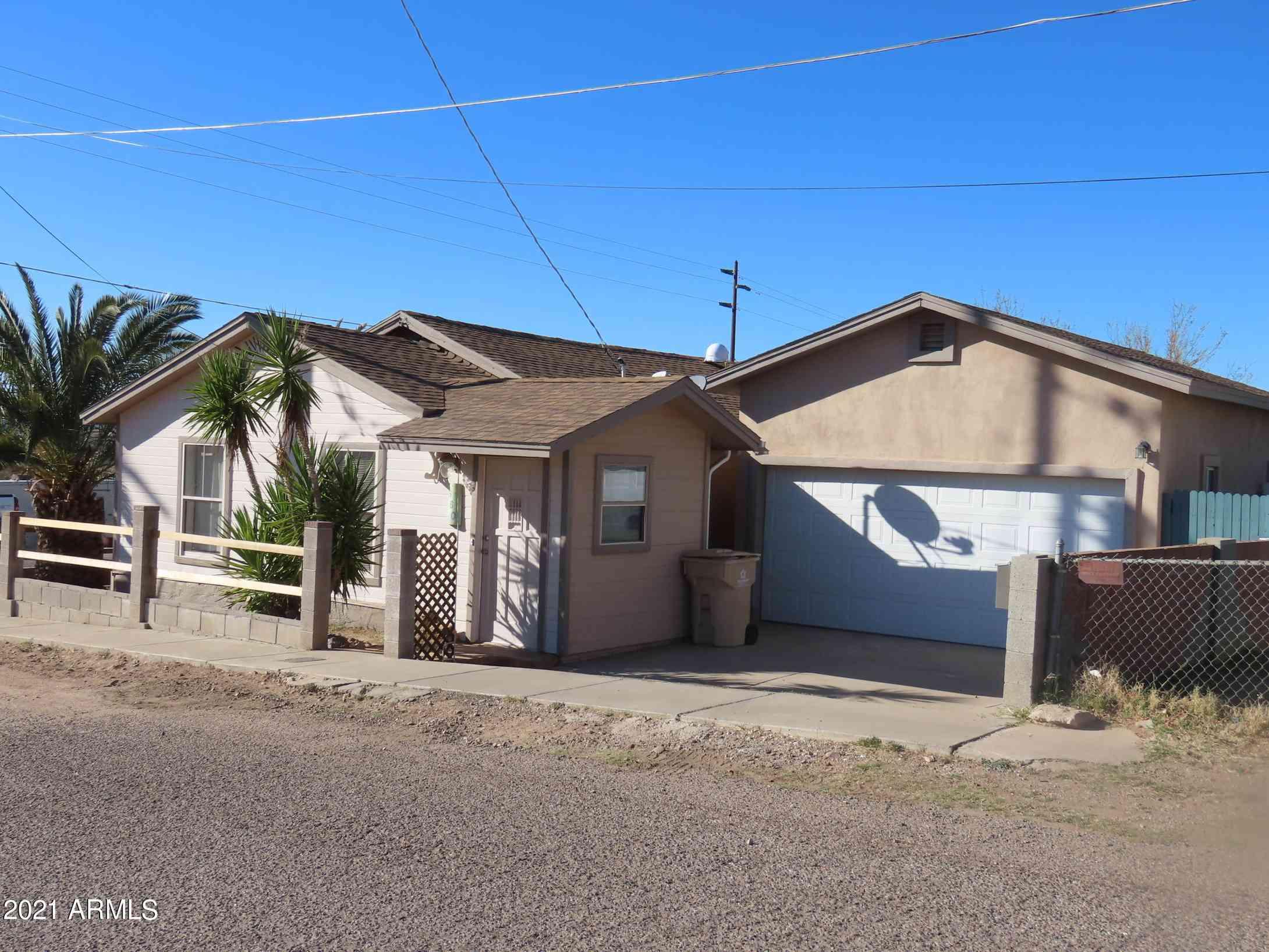 660 W Brown Street, Superior, AZ, 85173,