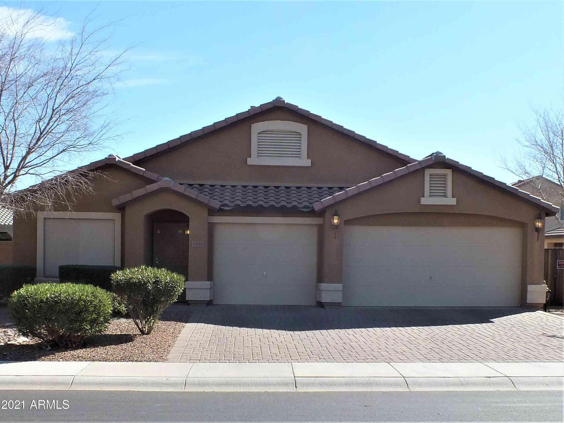 1319 E JARDIN Drive, Casa Grande, AZ, 85122,
