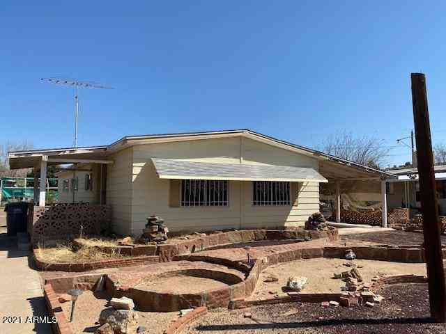 34415 S K FIELD Road, Black Canyon City, AZ, 85324,