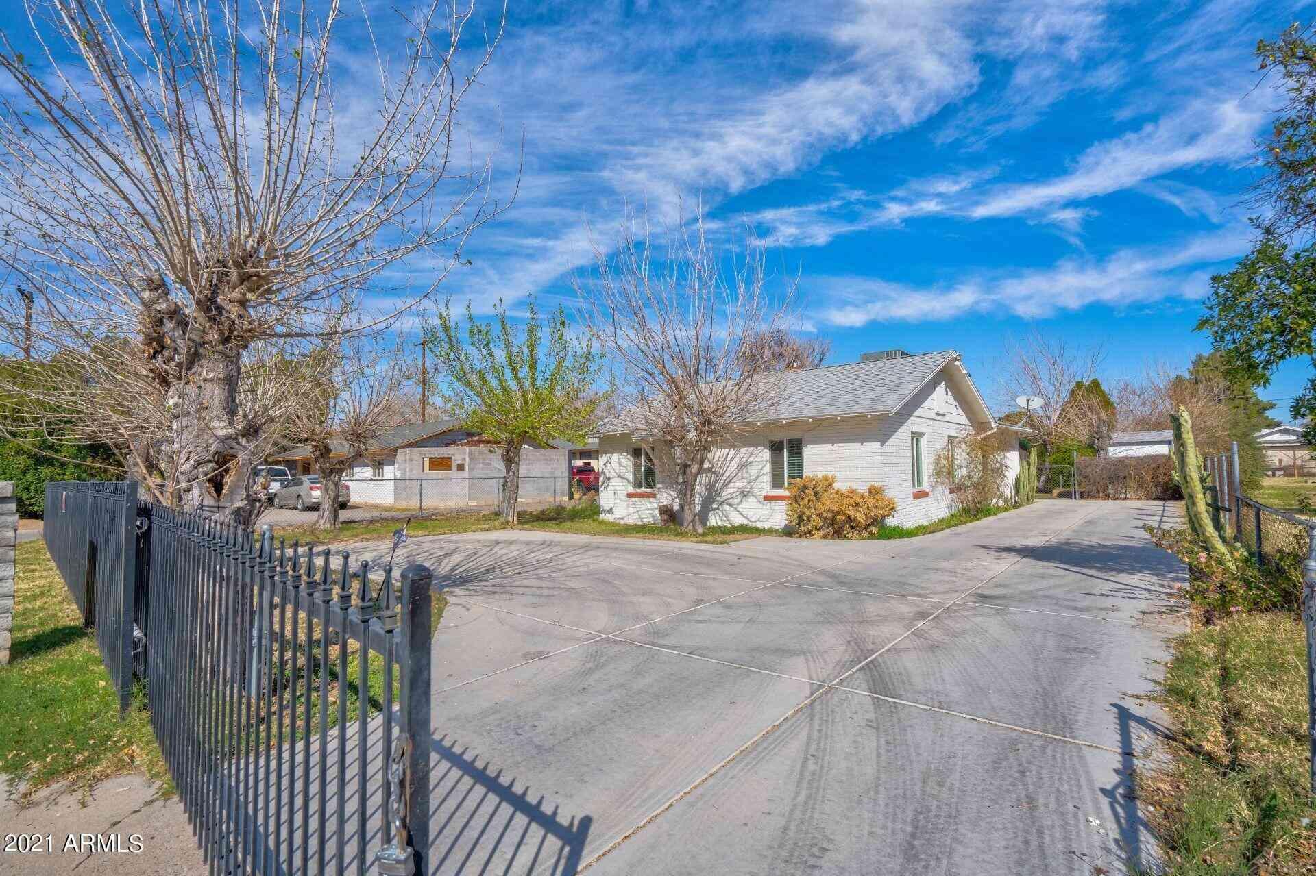 2626 W VISTA Avenue, Phoenix, AZ, 85051,