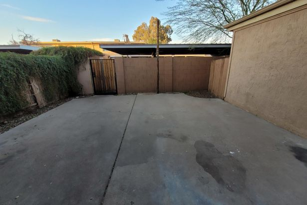 3303 W LAURIE Lane