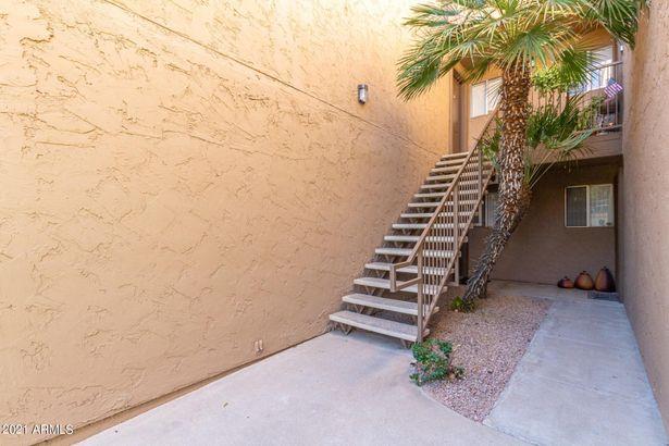 8260 E ARABIAN Trail #257