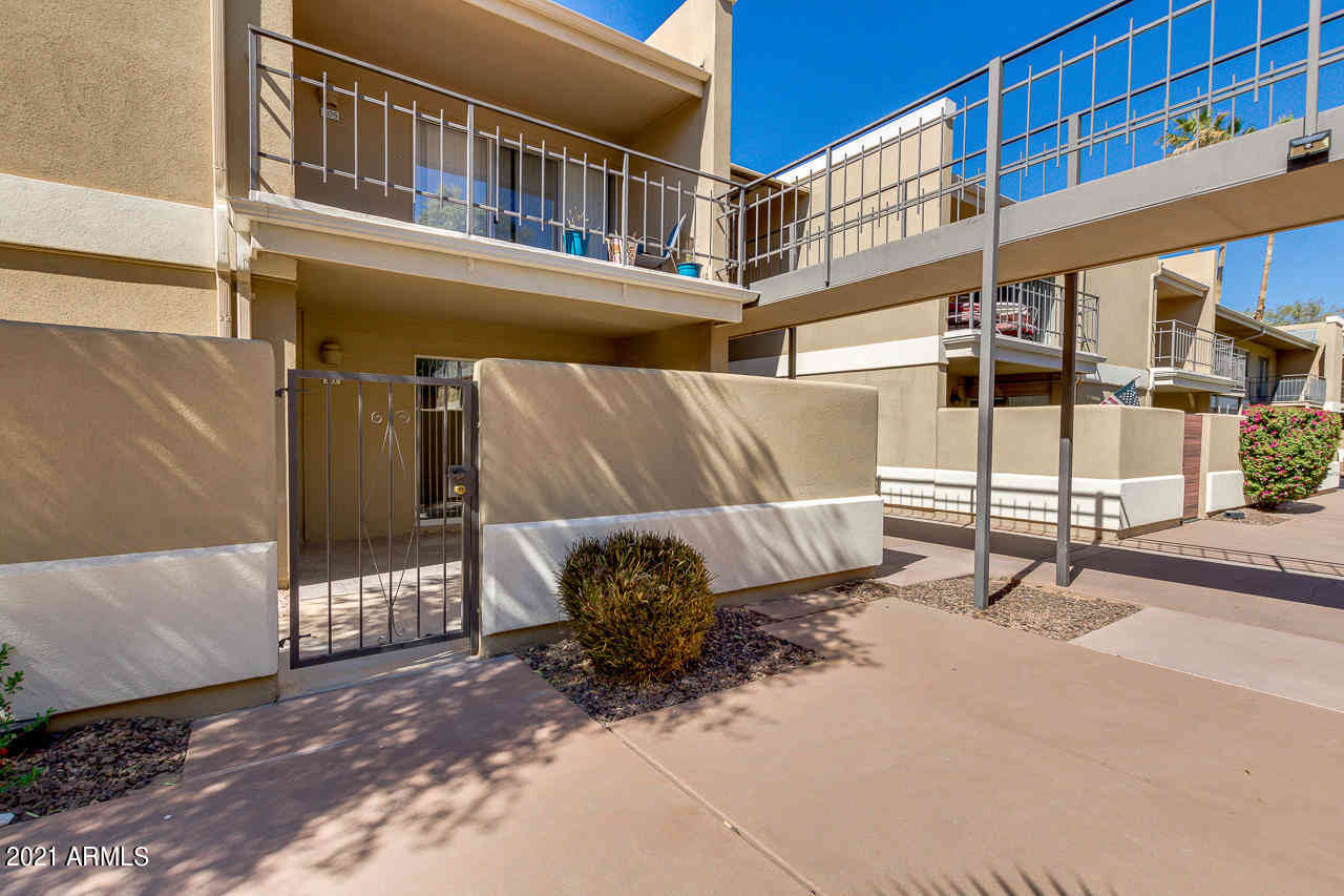 2233 E HIGHLAND Avenue #111, Phoenix, AZ, 85016,