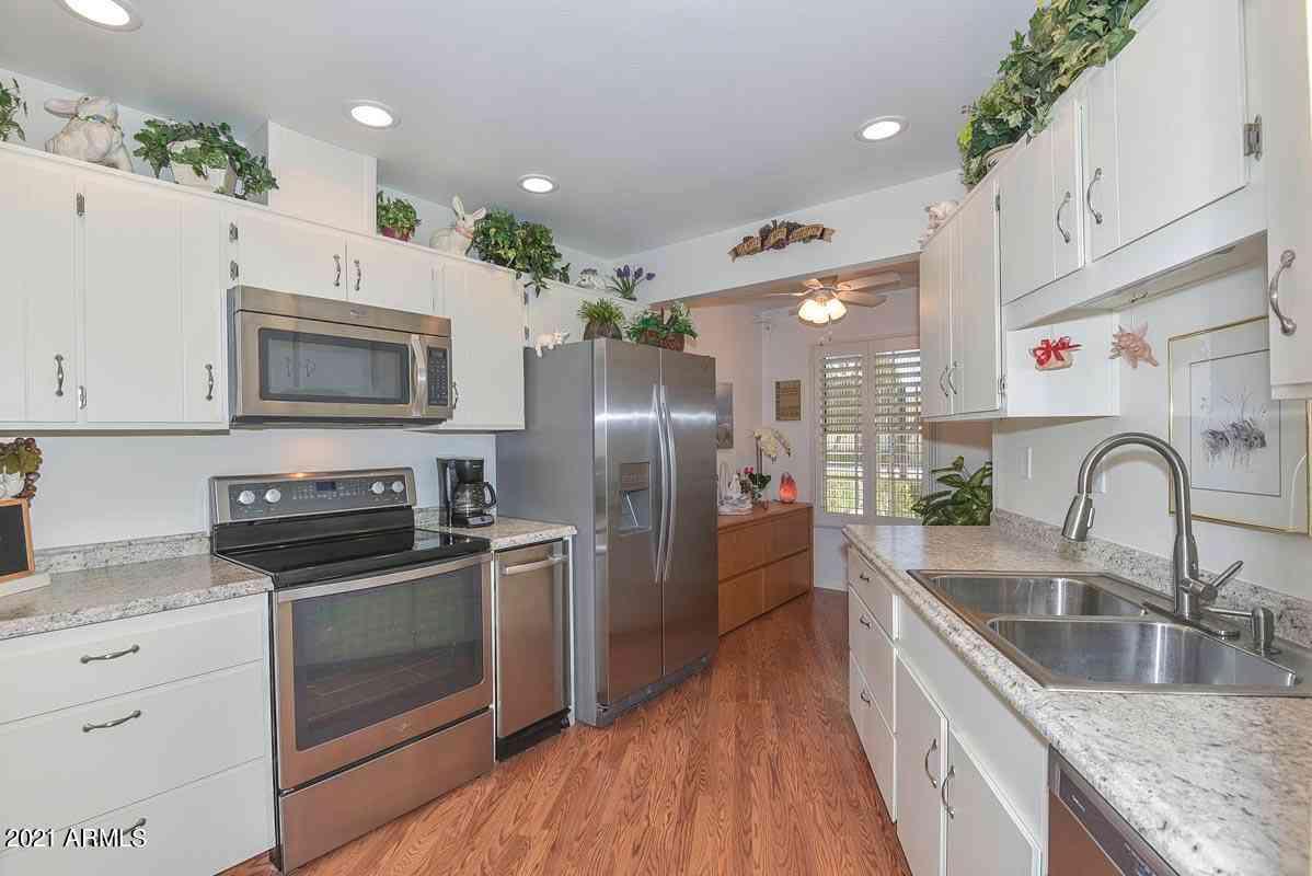 17016 N 107TH Avenue, Sun City, AZ, 85373,