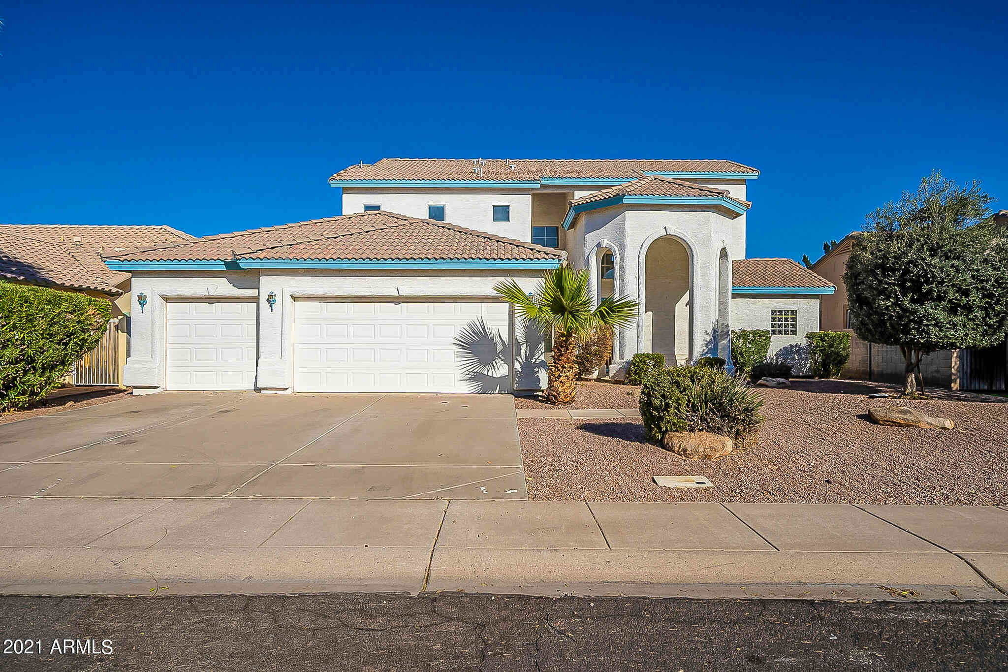 135 N SANDSTONE Street, Gilbert, AZ, 85234,