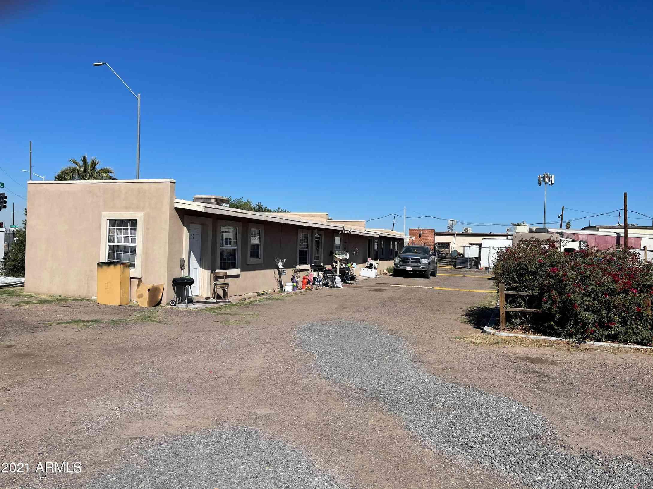3060 N GRAND Avenue, Phoenix, AZ, 85017,