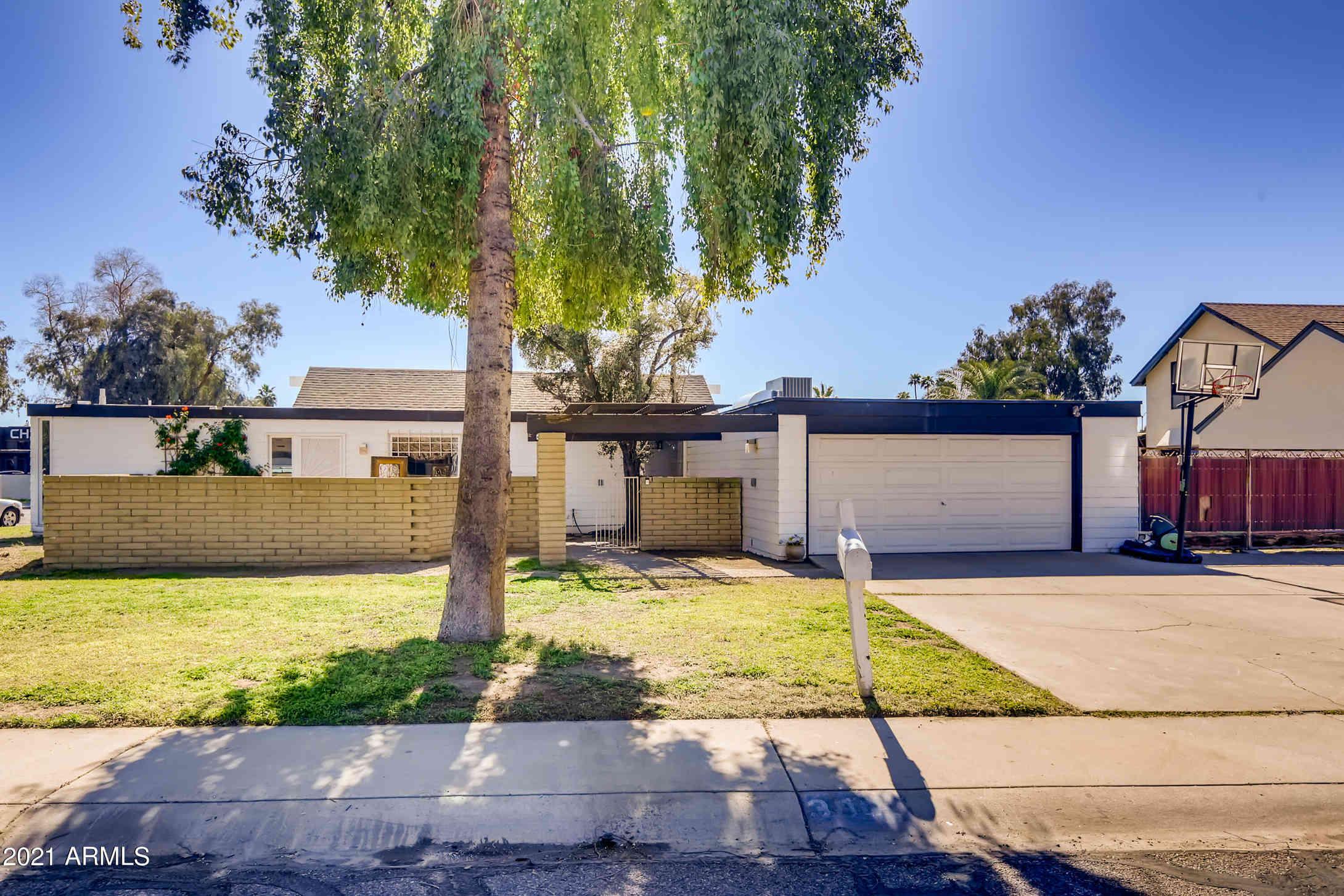 3001 W CLINTON Street, Phoenix, AZ, 85029,