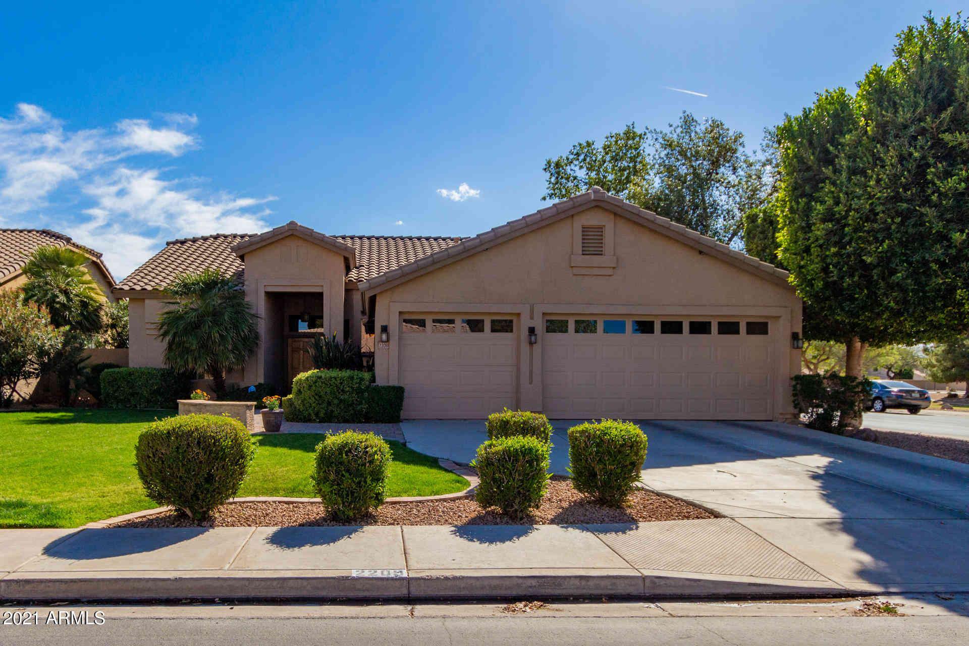 2209 E MANOR Drive, Gilbert, AZ, 85296,