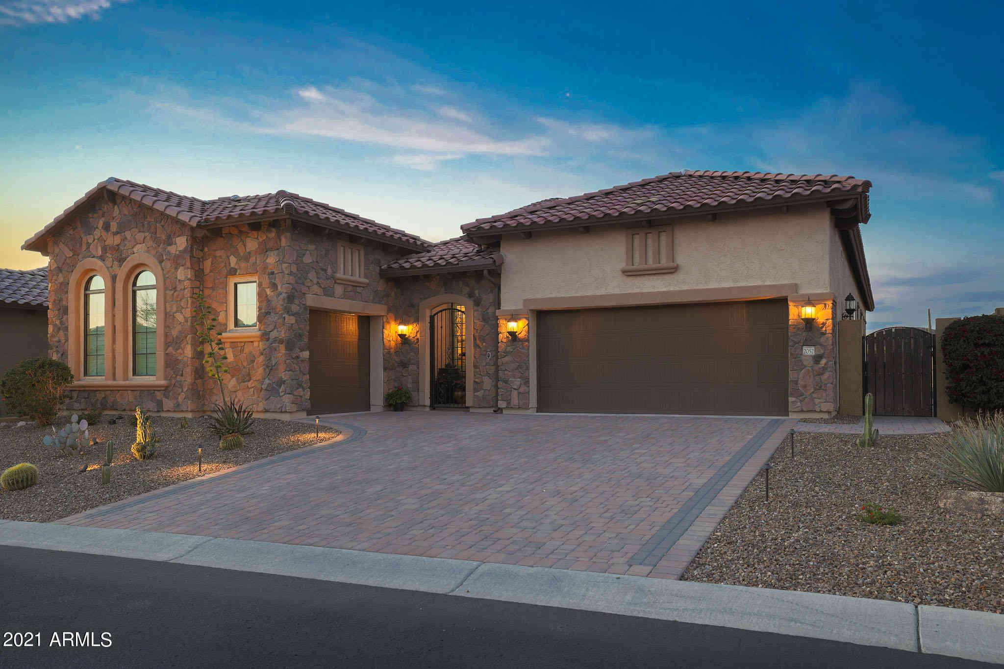 2052 N STEELE Circle, Mesa, AZ, 85207,