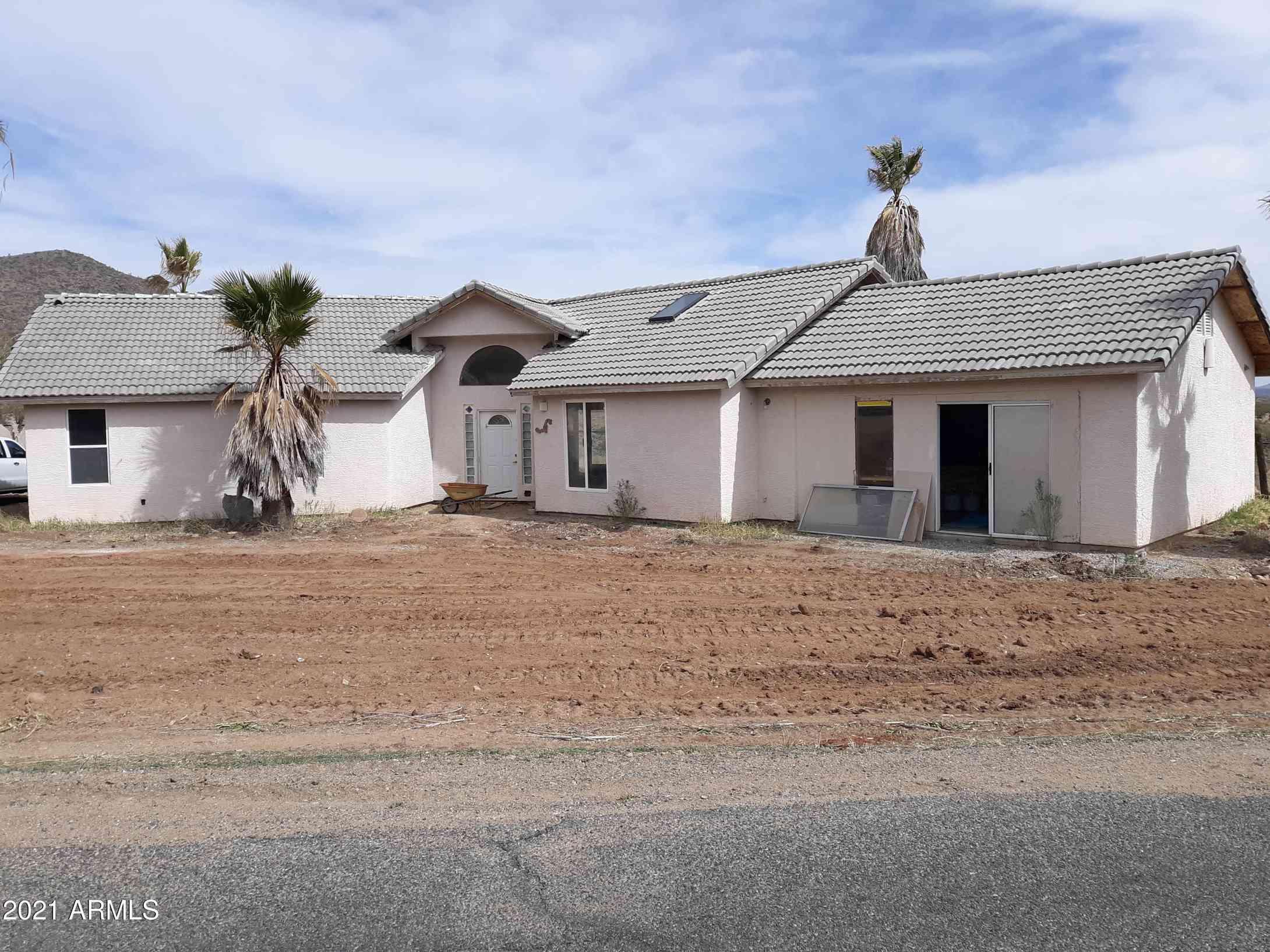 25585 S GHOST TOWN Road, Congress, AZ, 85332,