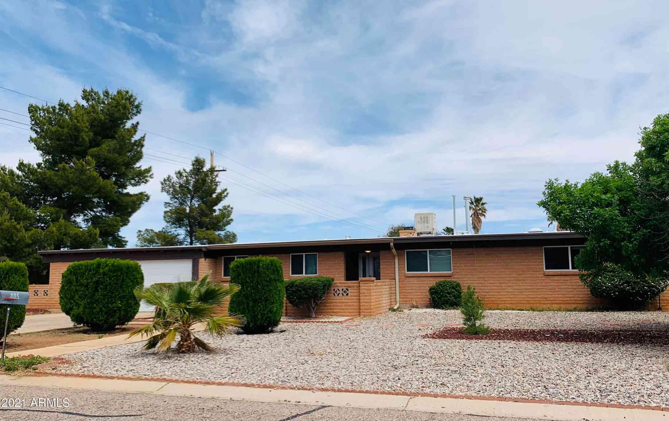 805 Suffolk Road, Sierra Vista, AZ, 85635,