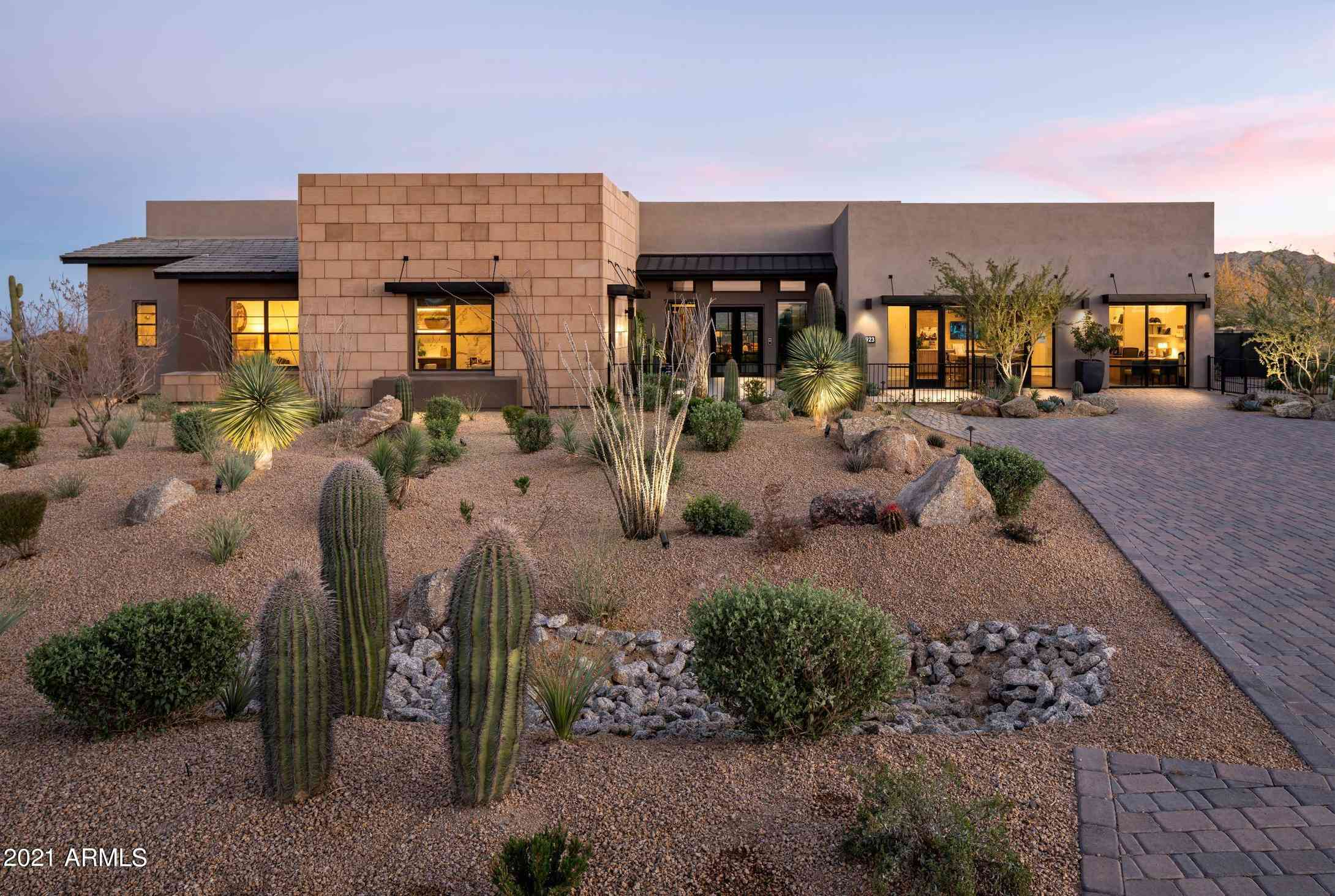 11923 E CAVEDALE Drive #2, Scottsdale, AZ, 85262,