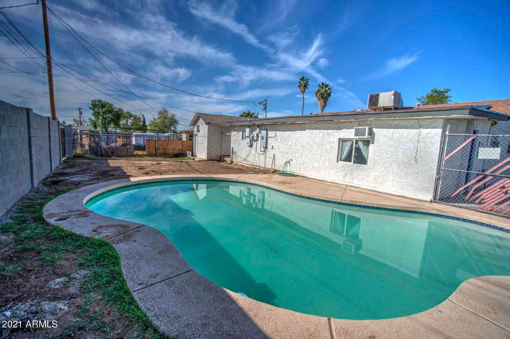 2537 N 40th Avenue, Phoenix, AZ, 85009,