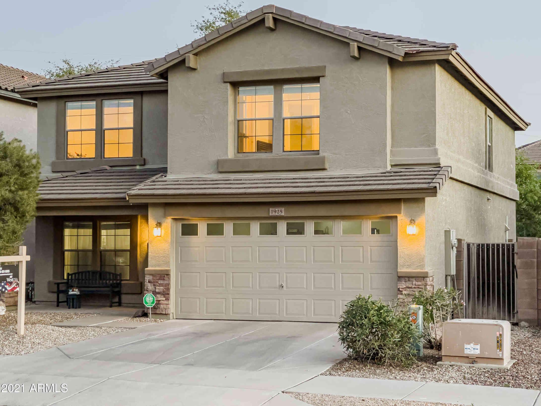 1925 E PARKSIDE Lane, Phoenix, AZ, 85024,