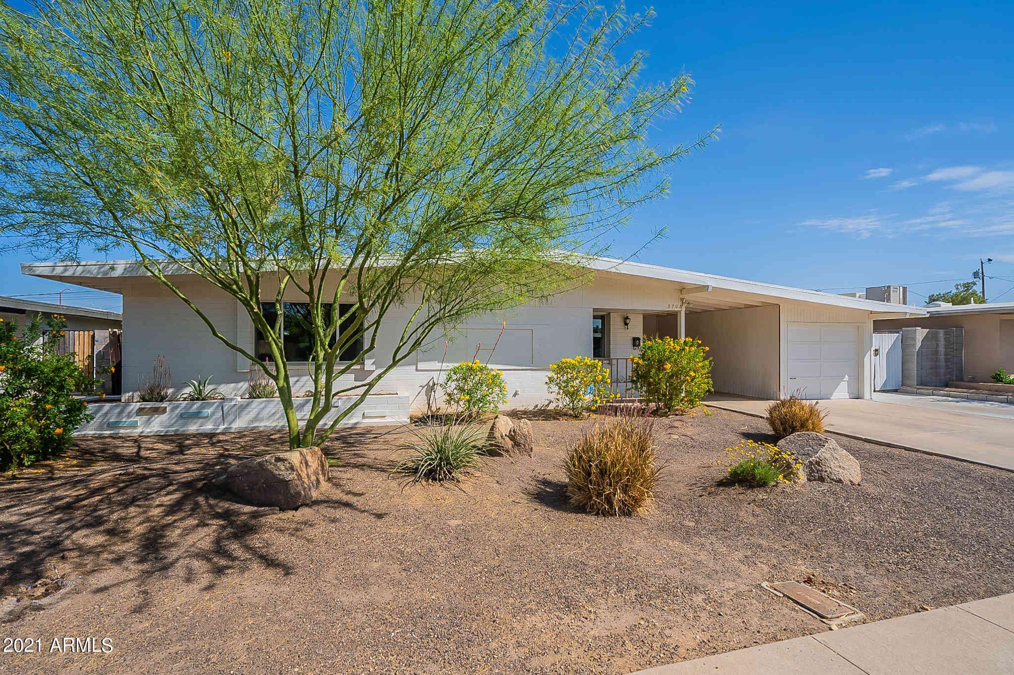 3708 E LAUREL Lane, Phoenix, AZ, 85028,