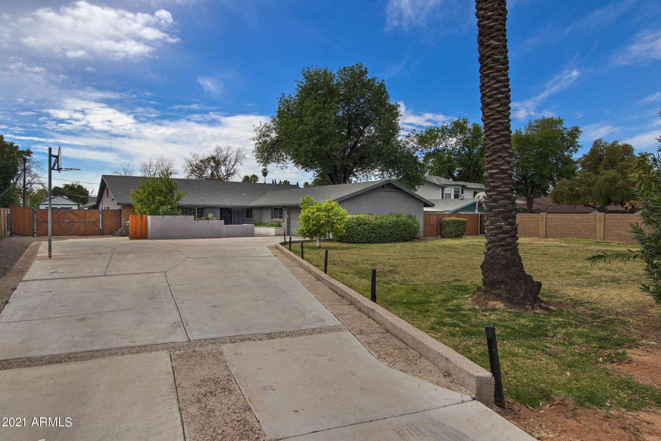 4437 E OSBORN Road, Phoenix, AZ, 85018,