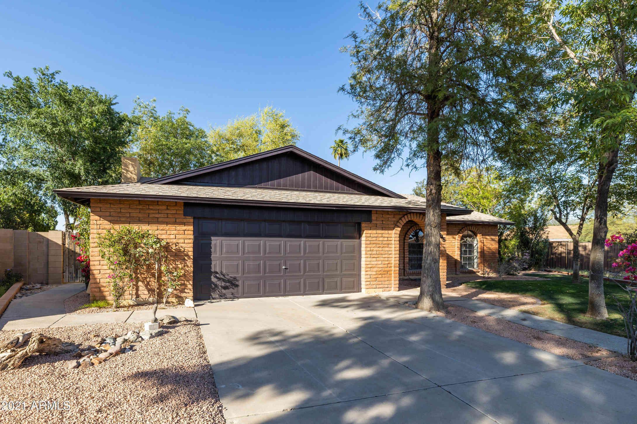 3135 S Davis Circle, Mesa, AZ, 85210,