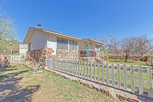 238 S VALLEY View