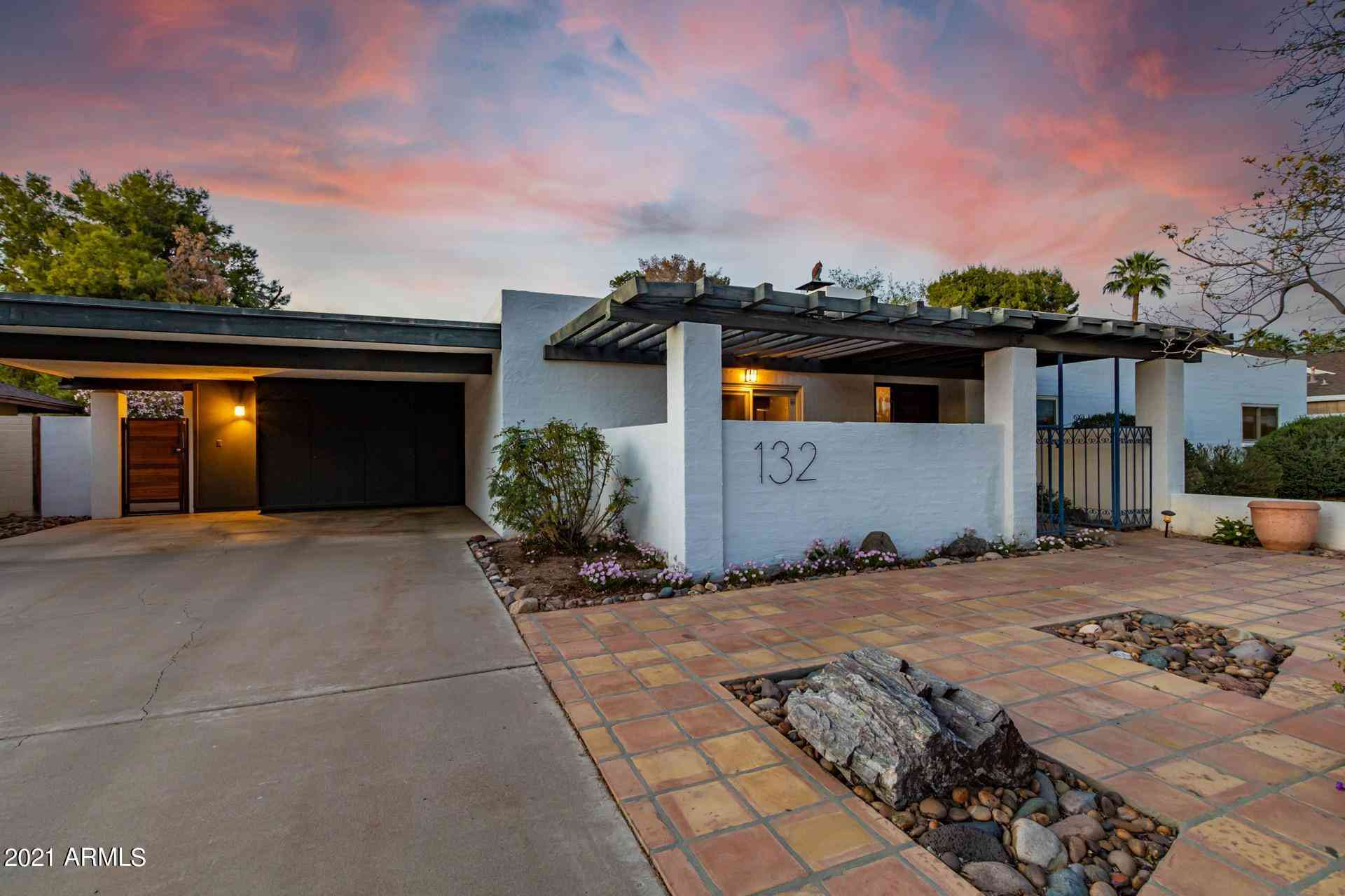 132 W Las Palmaritas Drive, Phoenix, AZ, 85021,