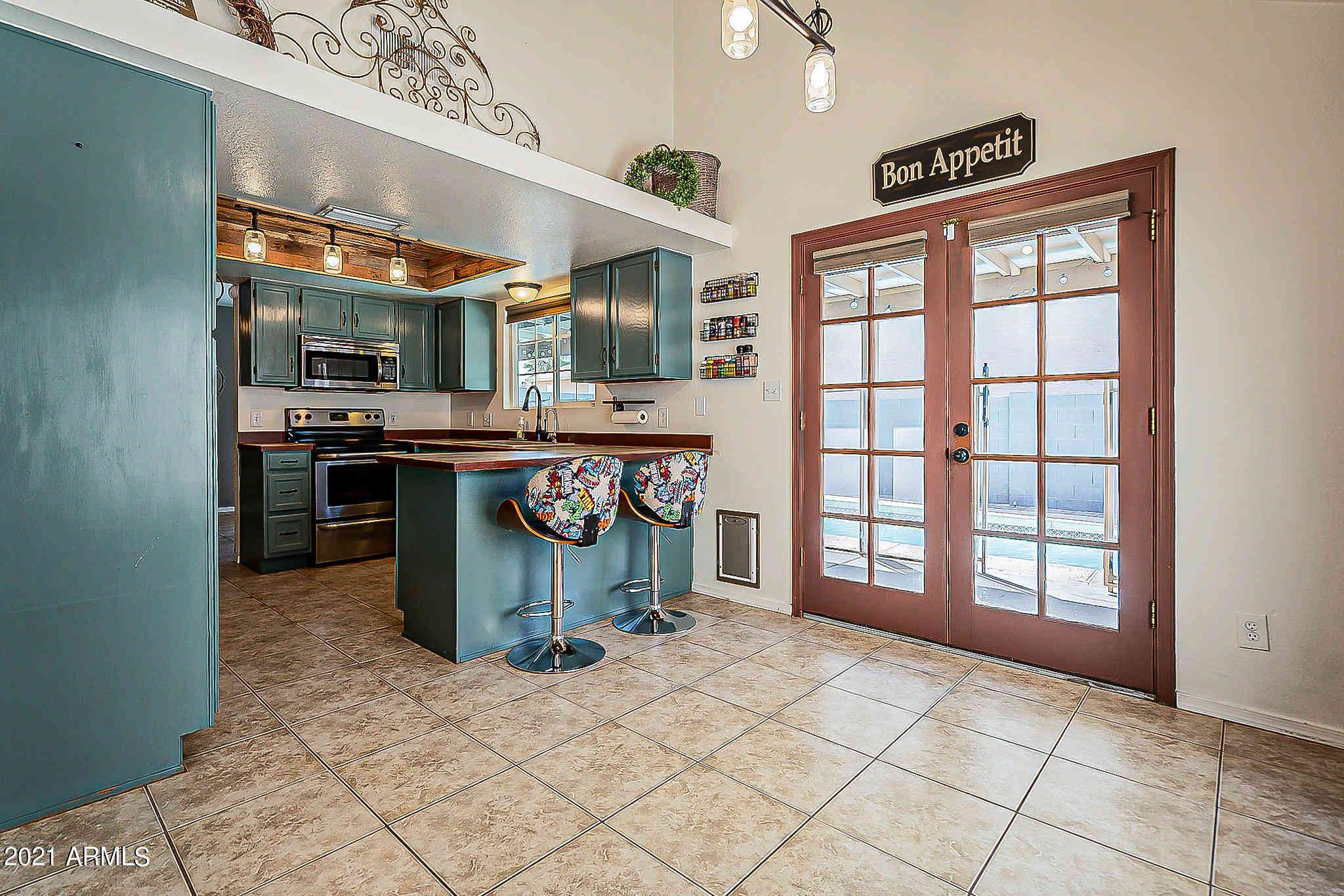 536 N OAKLAND Street, Mesa, AZ, 85205,