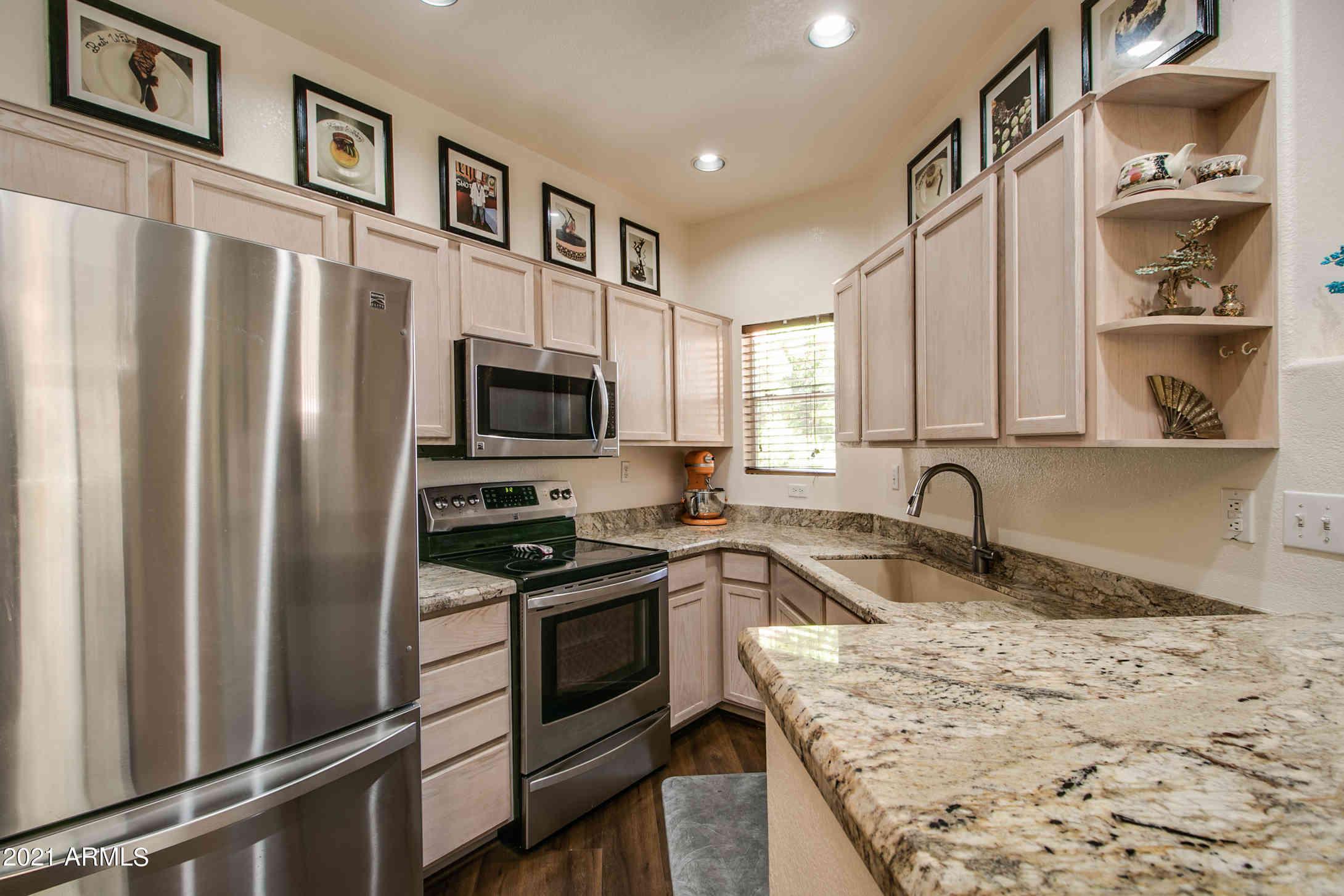 10410 N CAVE CREEK Road #2065, Phoenix, AZ, 85020,