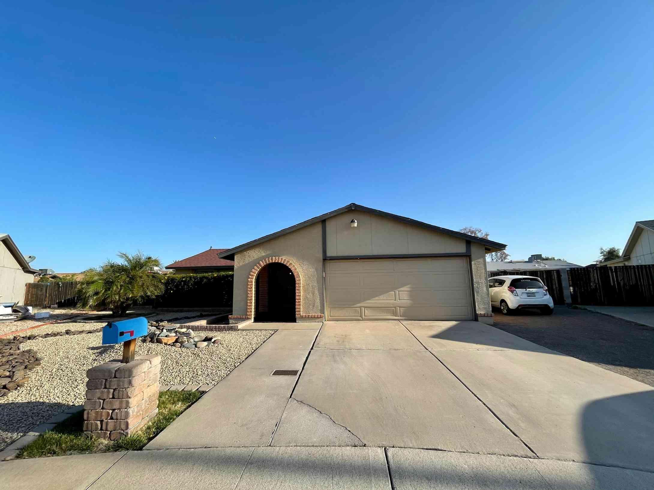 6138 W ZOE ELLA Way, Glendale, AZ, 85306,