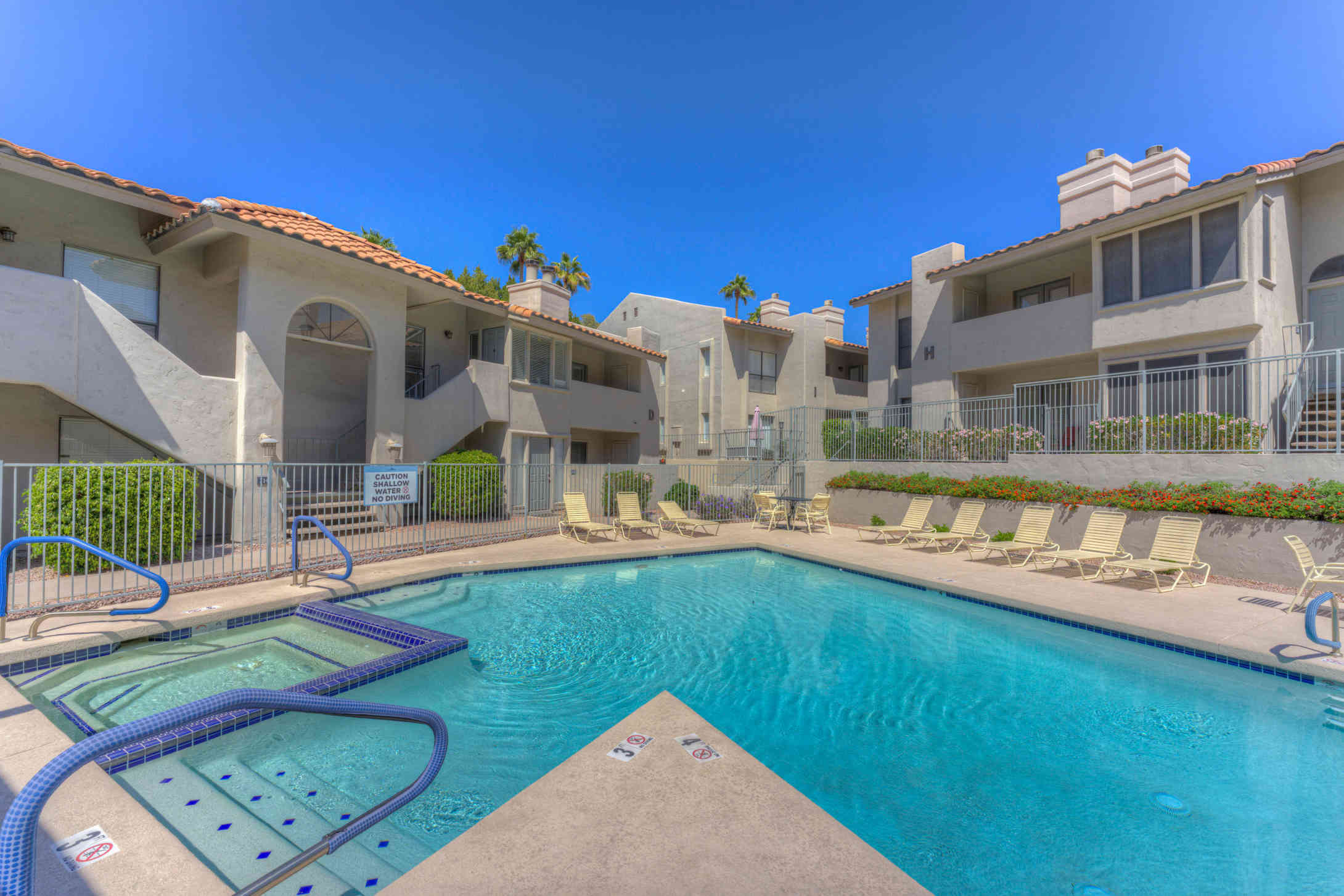 1820 E MORTEN Avenue #214, Phoenix, AZ, 85020,