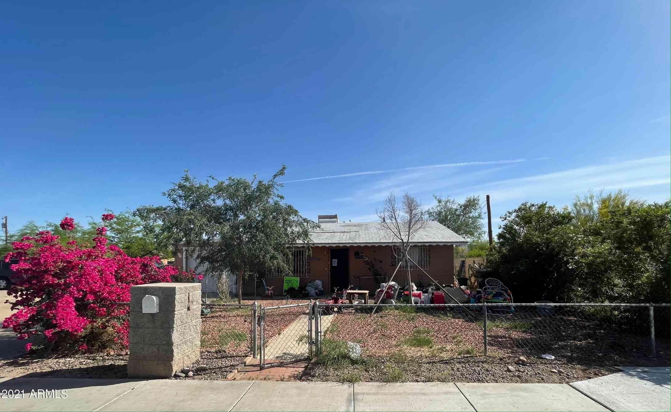 2411 E WIER Avenue, Phoenix, AZ, 85040,