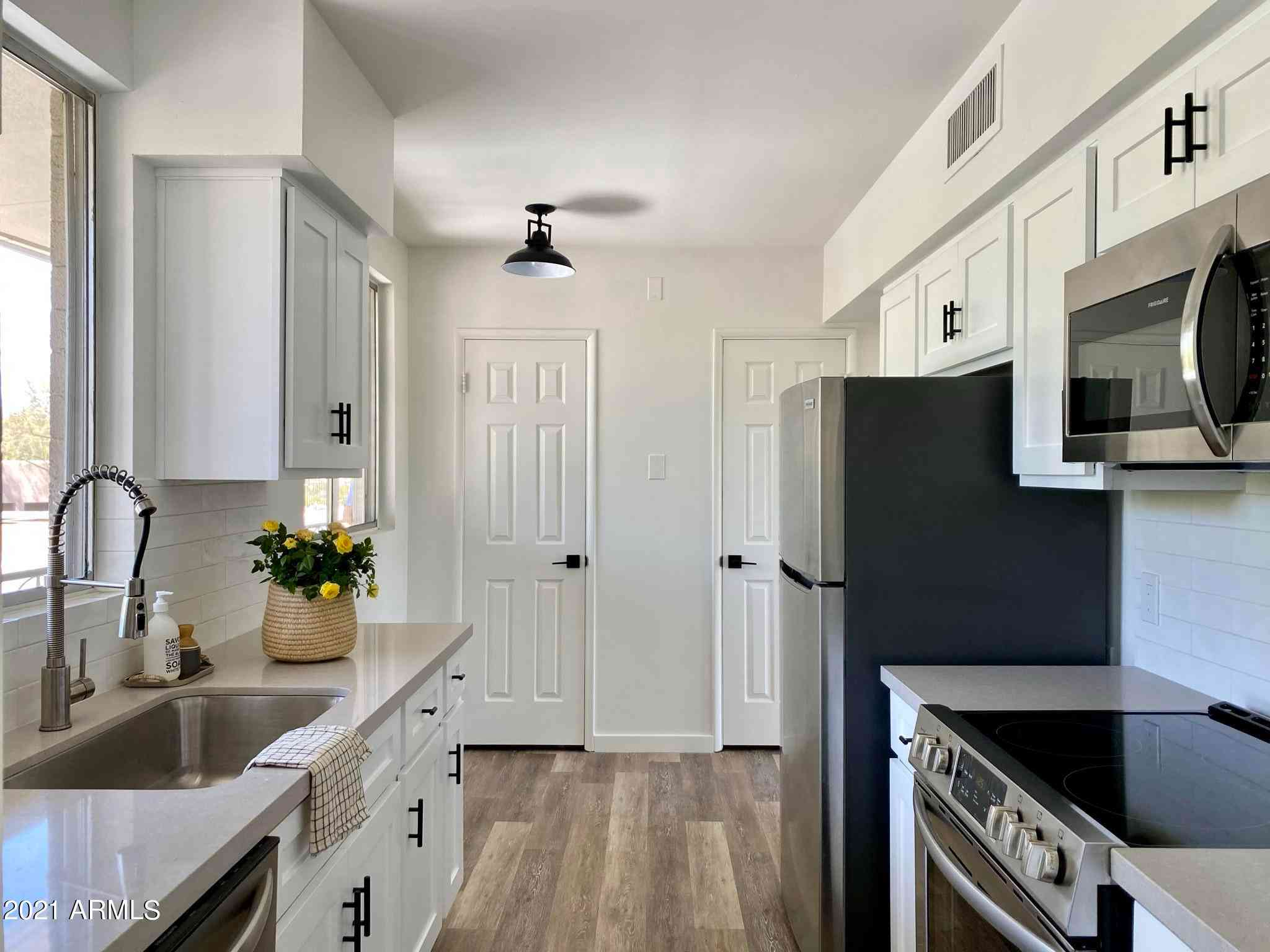3242 E Camelback Road #204, Phoenix, AZ, 85018,