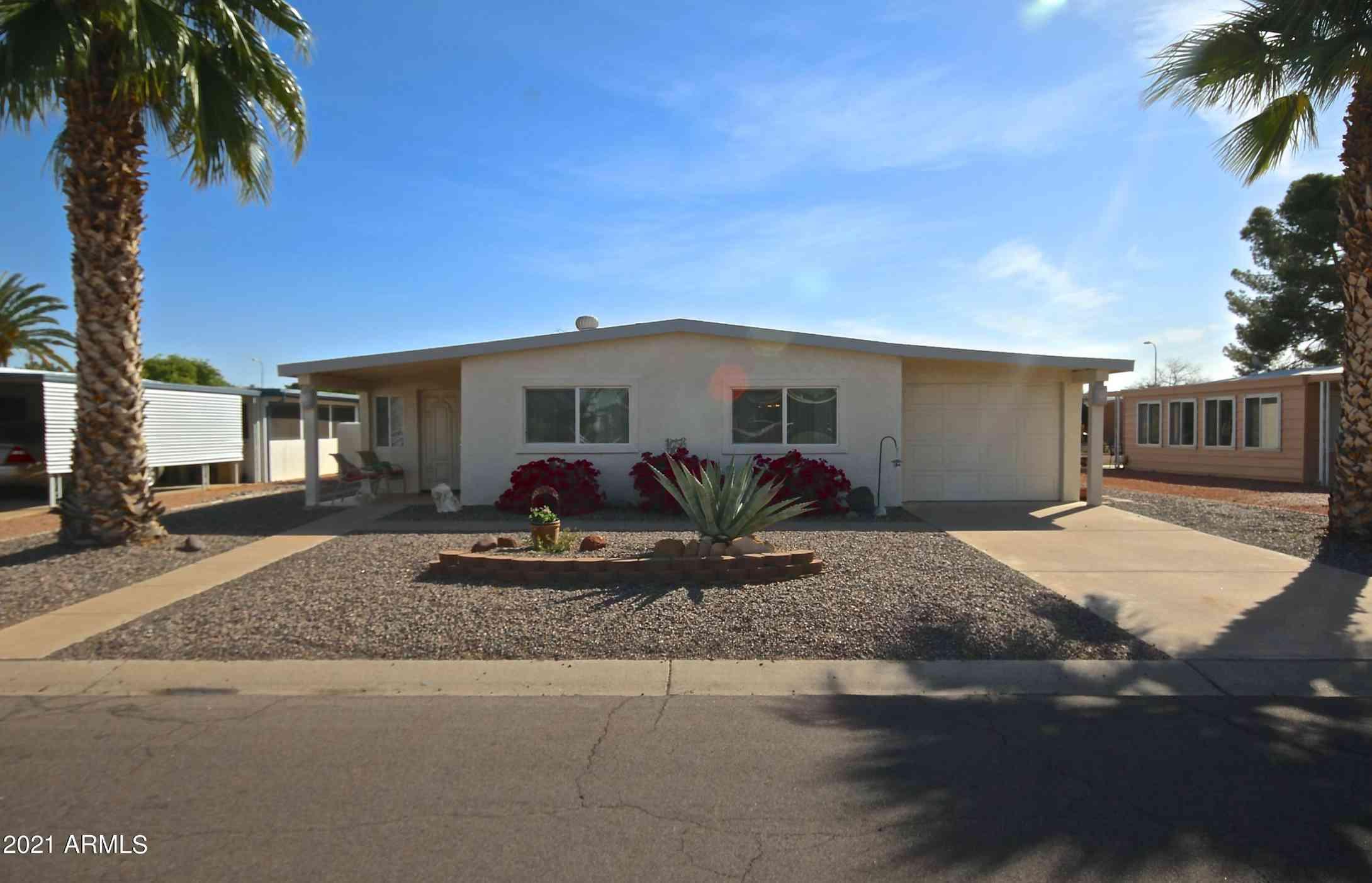8925 E Sun Lakes Boulevard S, Sun Lakes, AZ, 85248,