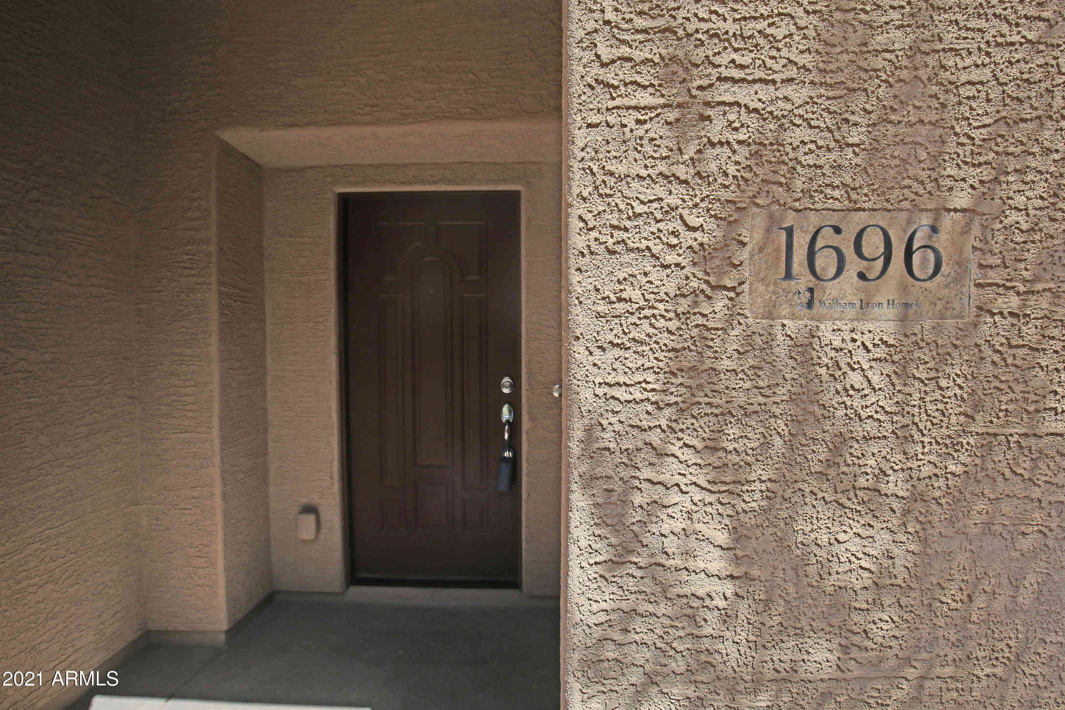 1696 S MARTINGALE Road, Gilbert, AZ, 85295,