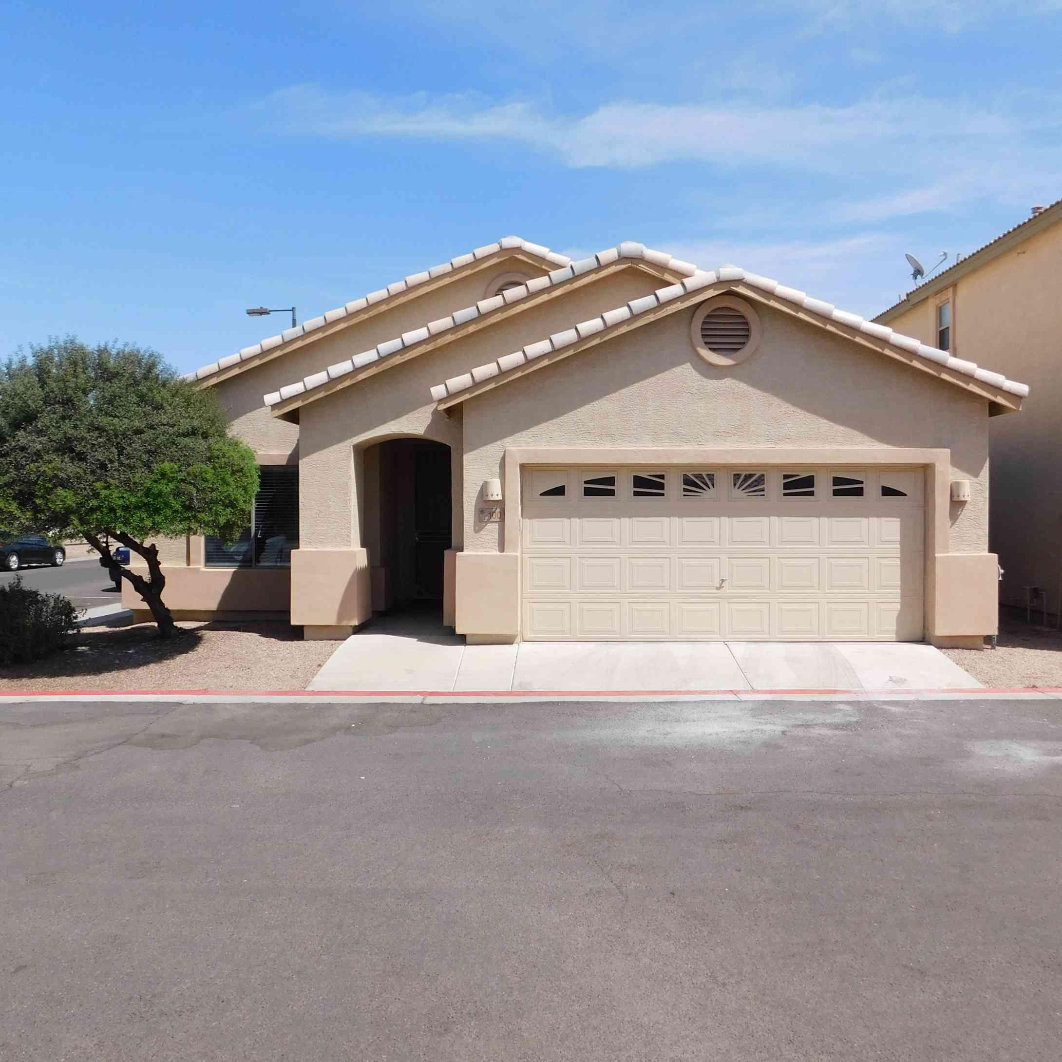 125 N 22nd Place #100, Mesa, AZ, 85213,