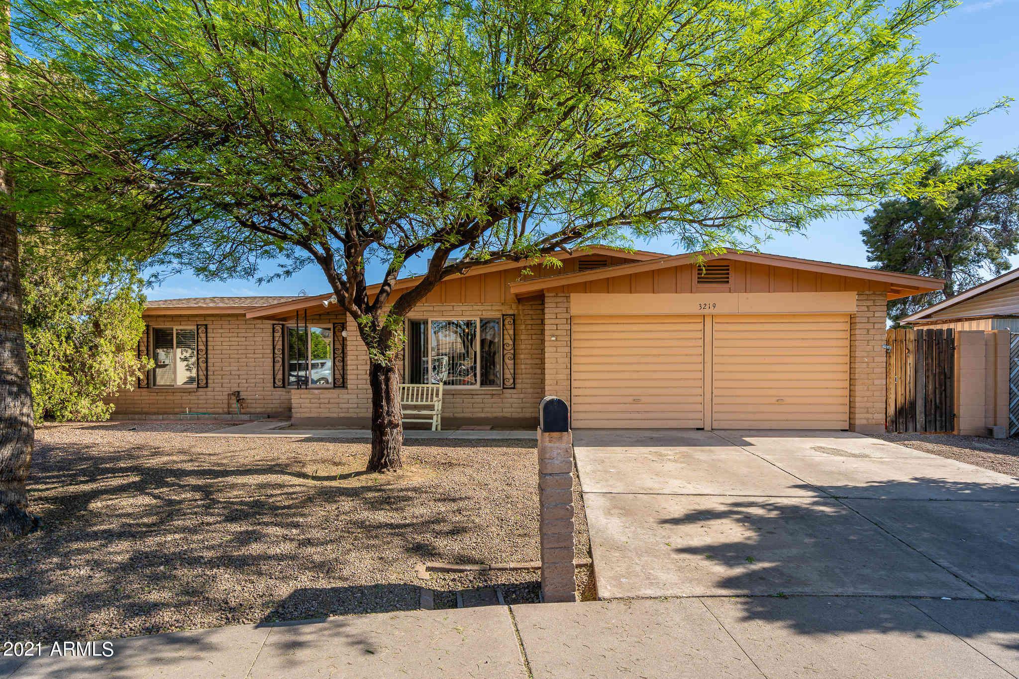 3219 W MESCAL Street, Phoenix, AZ, 85029,