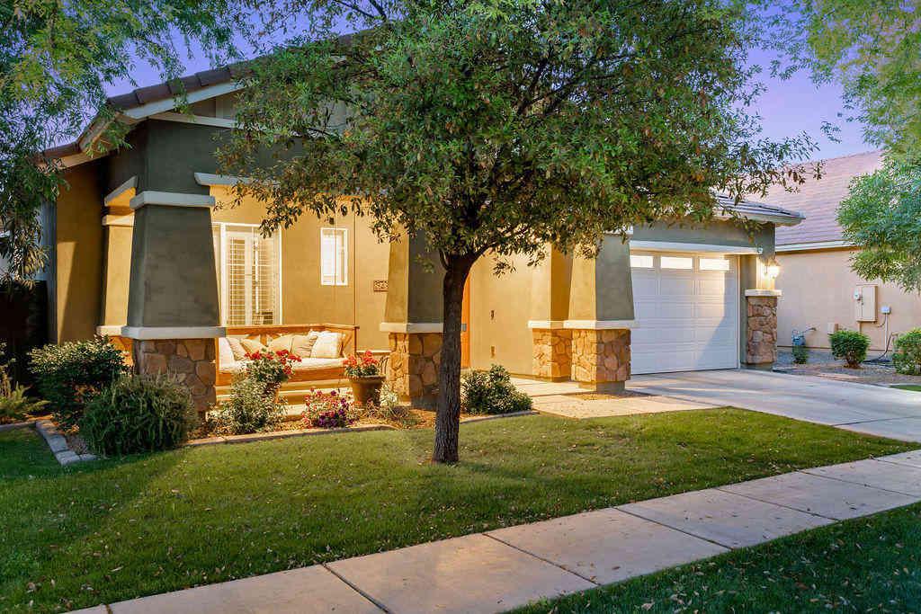 3452 E COMSTOCK Drive, Gilbert, AZ, 85296,