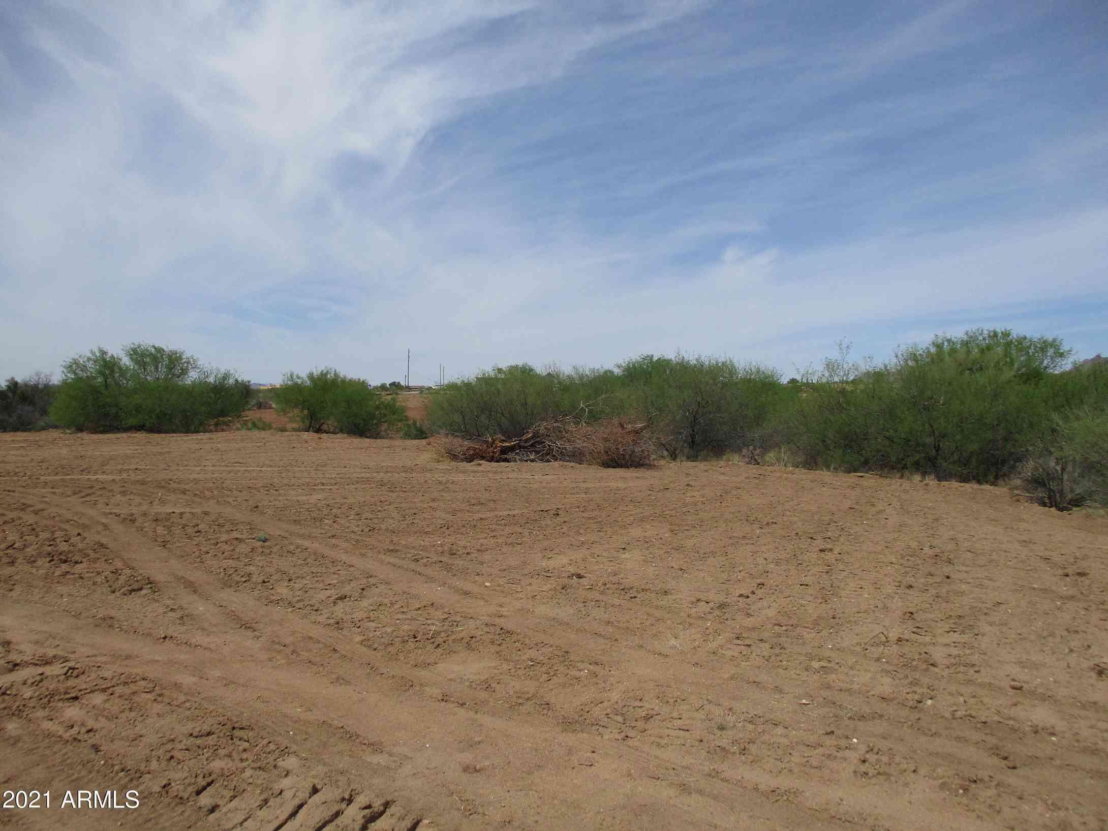 27240 S OLD SCHOOL Road #2, Congress, AZ, 85332,